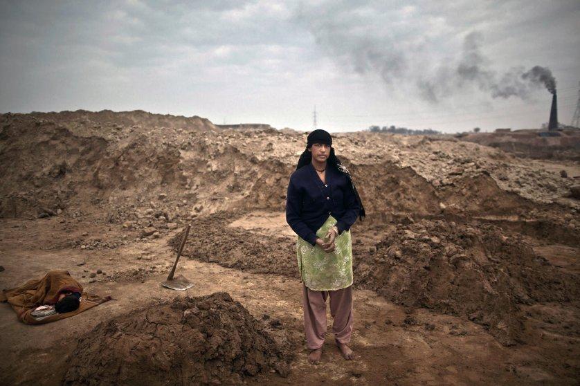 Pakistan Women Labor For Life Photo Essay