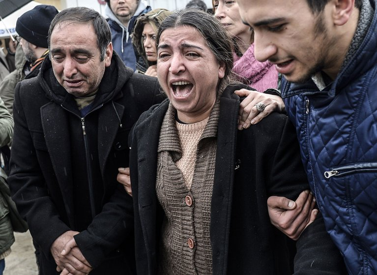 The mother Berkin Elvan cries after her son died at Okmeydani Hospital in Istanbul on March 11, 2014.