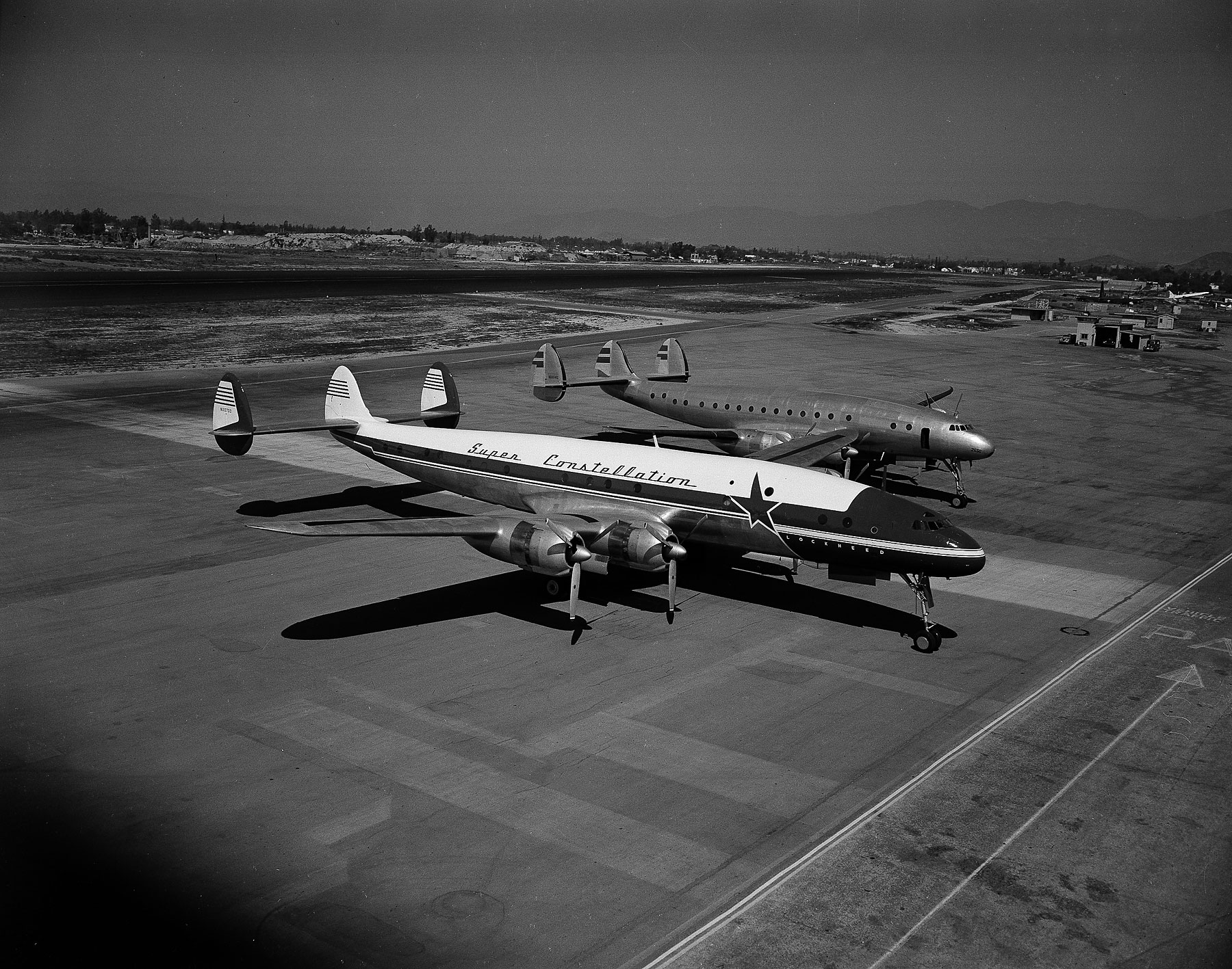 An example of a Lockheed Super Constellation, the same type of plane as Flying Tiger Line Flight 739.