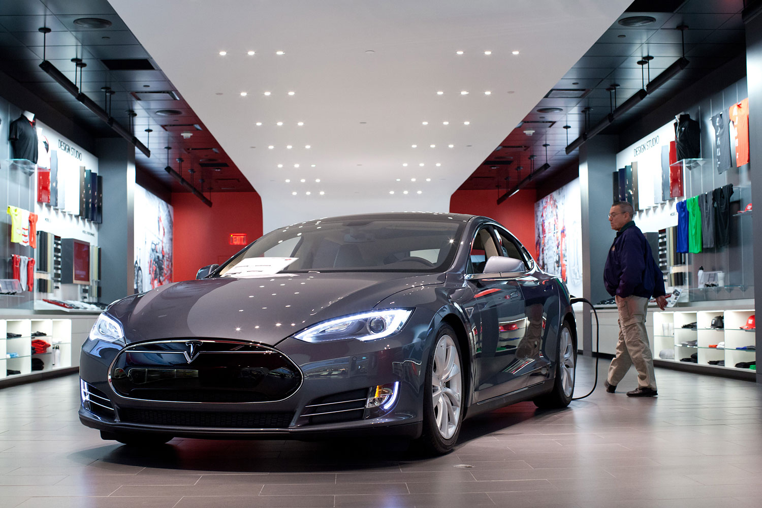 A Model S with sits on display at the Tesla store in the Short Hills Mall in Short Hills, NJ, Wednesday, March 12, 2014.