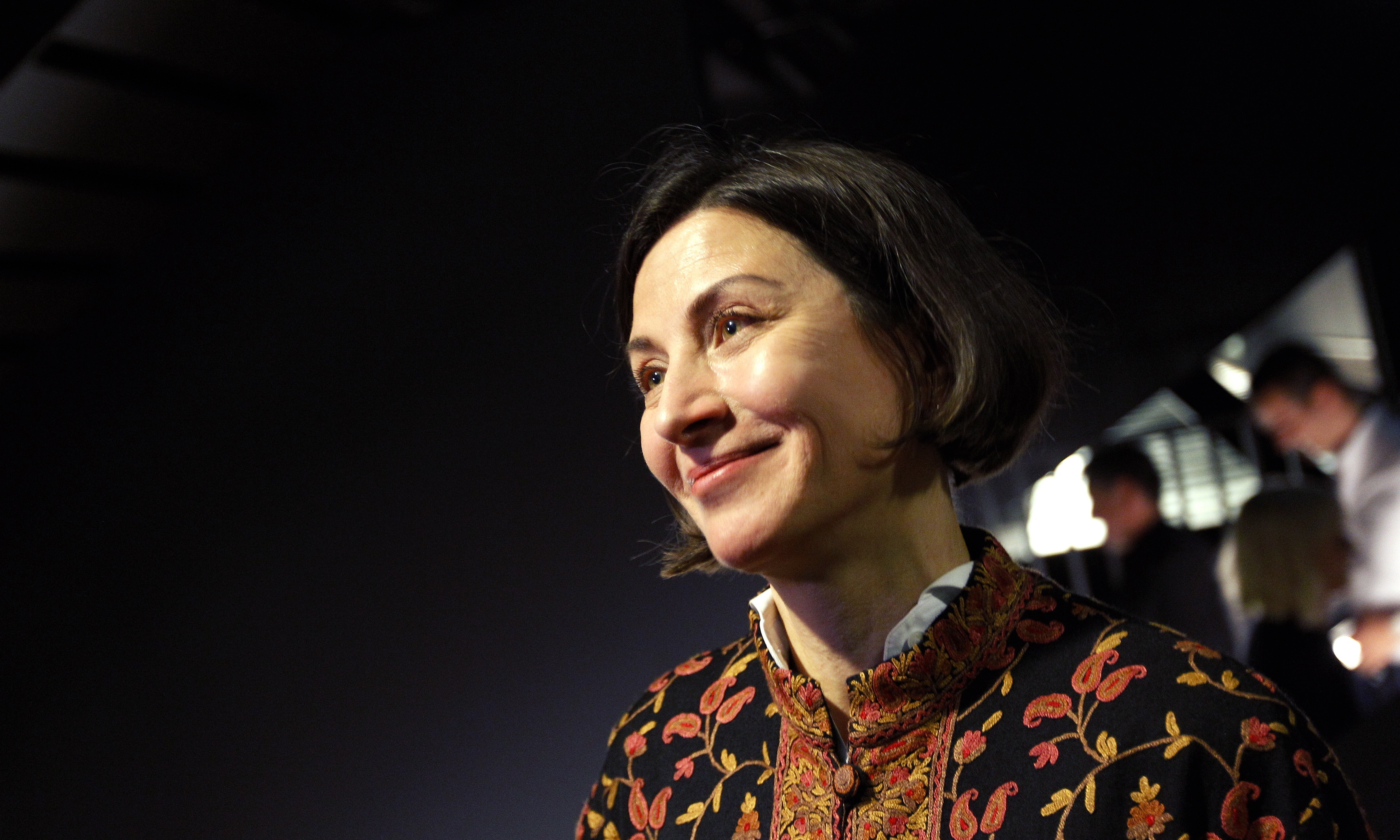 US writer Donna Tartt reads her novel  The Goldfinch  at the world's book launch in Amsterdam, on September 22, 2013.