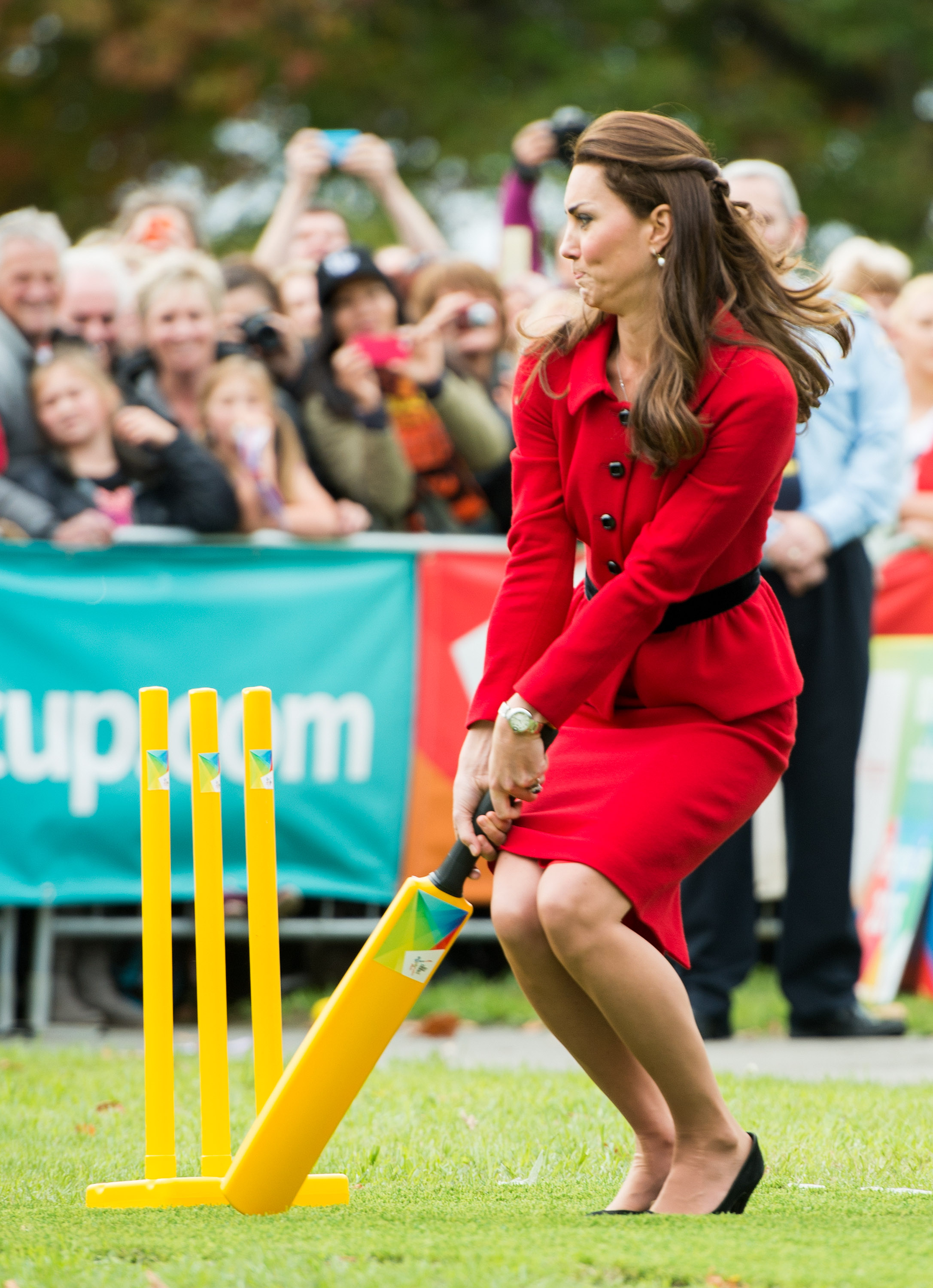 CHRISTCHURCH, NEW ZEALAND - APRIL 14: Catherine, Duchess of Cambridge bats during a game of cricket in Latimer Square on April 14, 2014 in Christchurch, New Zealand. The Duke and Duchess of Cambridge are on a three-week tour of Australia and New Zealand, the first official trip overseas with their son, Prince George of Cambridge. (Photo by Samir Hussein/WireImage)