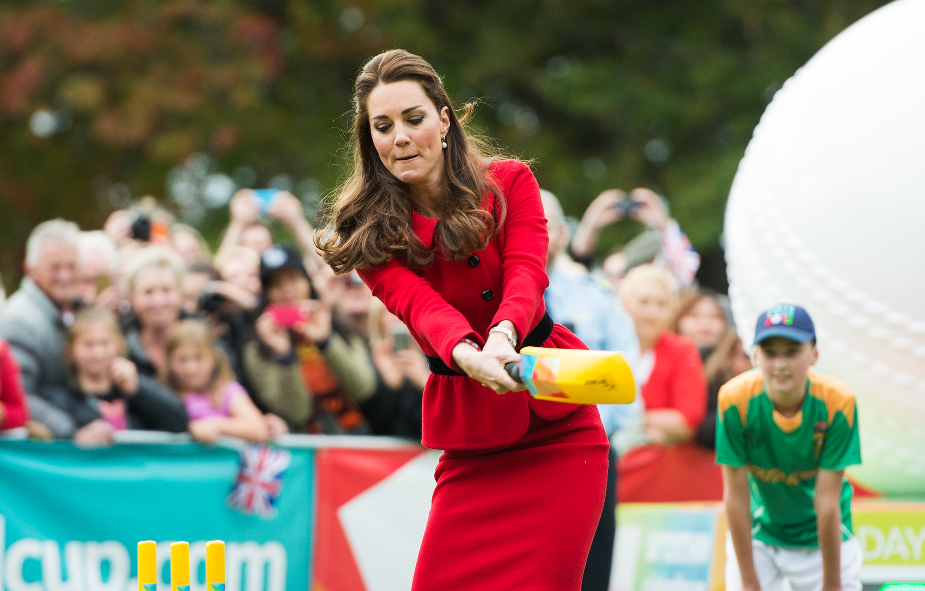 Catherine, Duchess of Cambridge bats during a game of cricket in Latimer Square on April 14, 2014 in Christchurch, New Zealand.