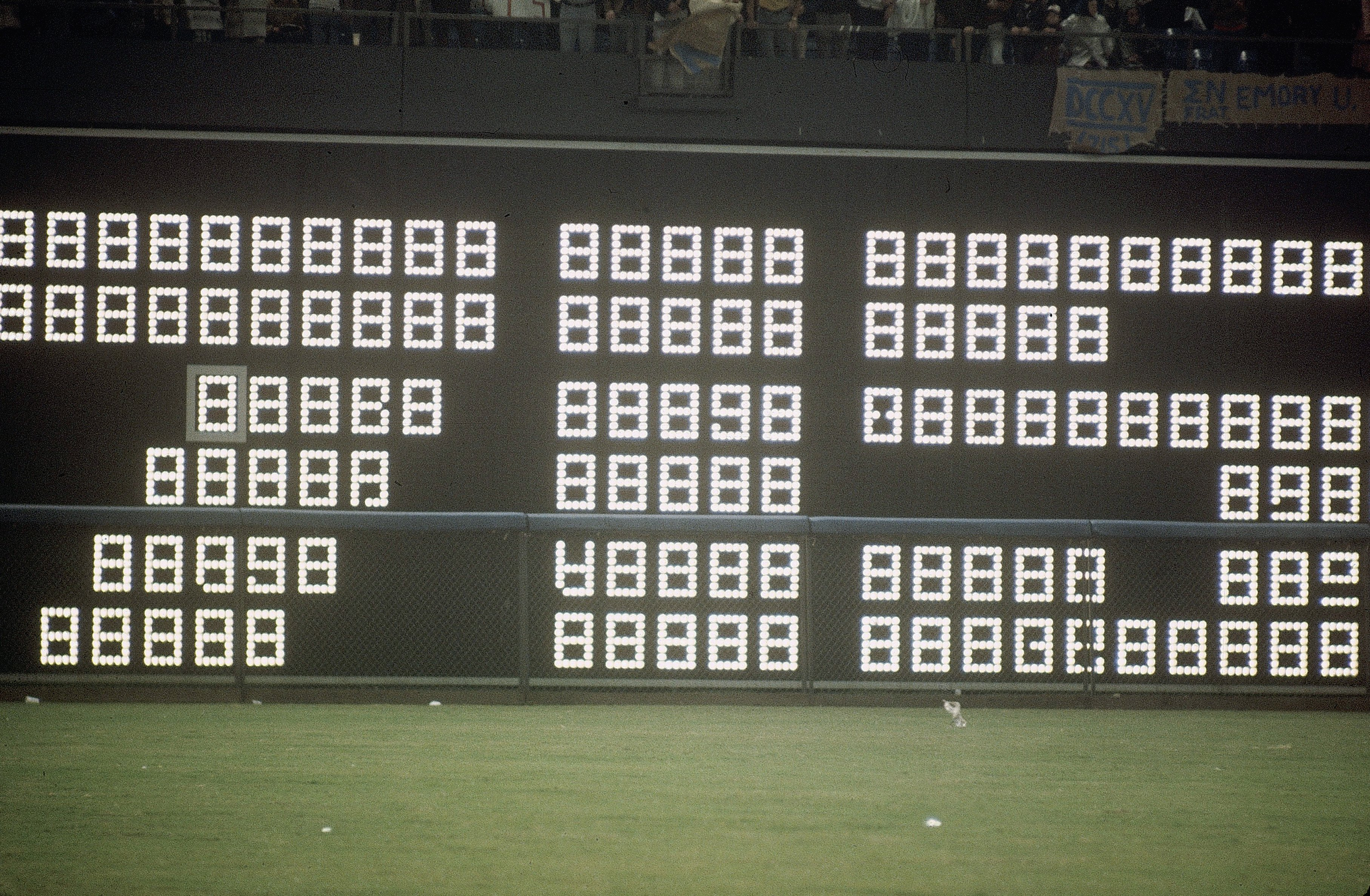 Scoreboard flashes 715 in Atlanta after Hank Aaron of the Braves hits home run #715 to break Babe Ruth's record off Al Downing of the Los Angeles Dodgers on April 8, 1974.