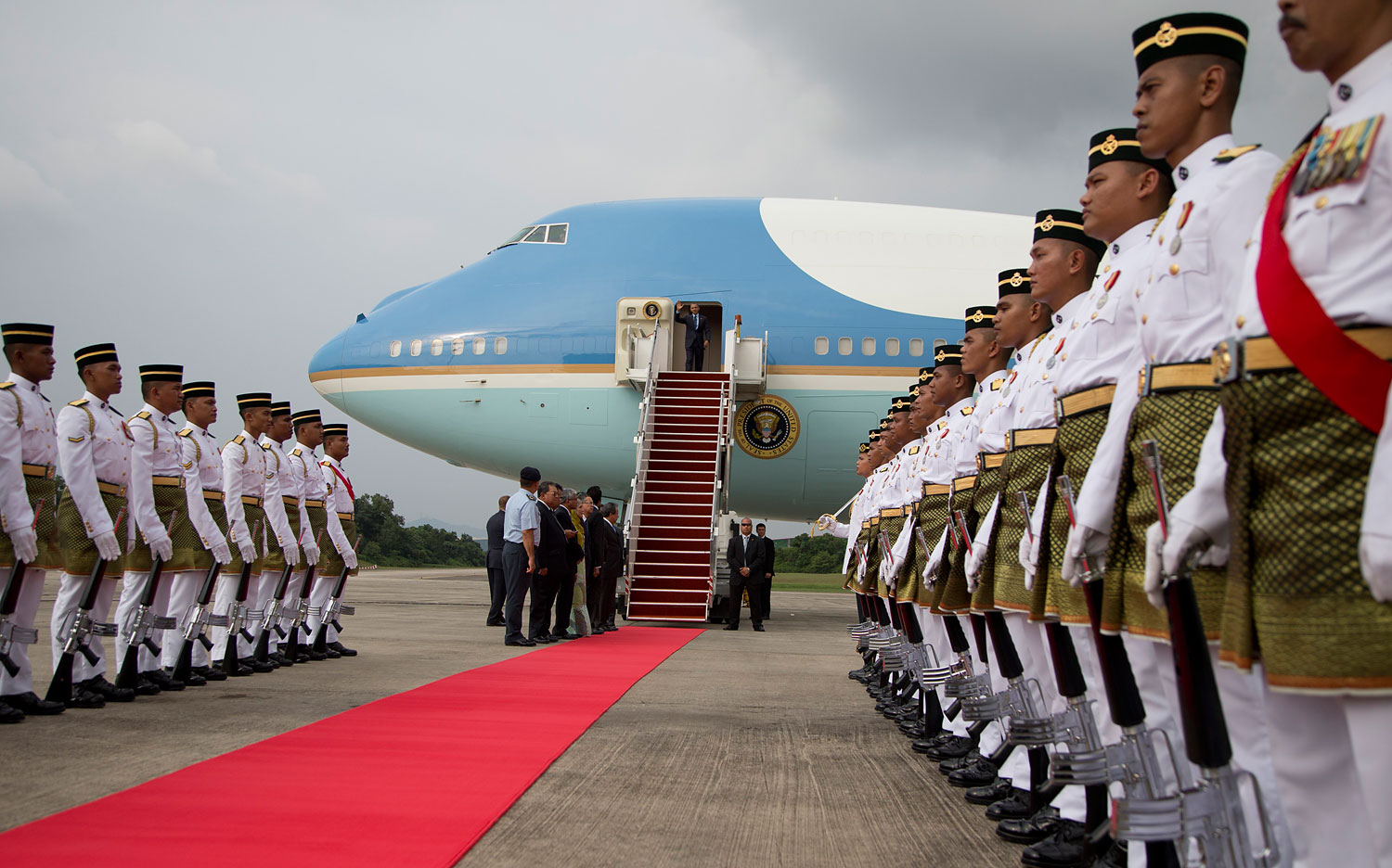 President Barack Obama arrives on Air Force One at the Royal Malaysian Air Force Airbase in Subang, outside of Kuala Lumpur, Malaysia, April 26, 2014.
