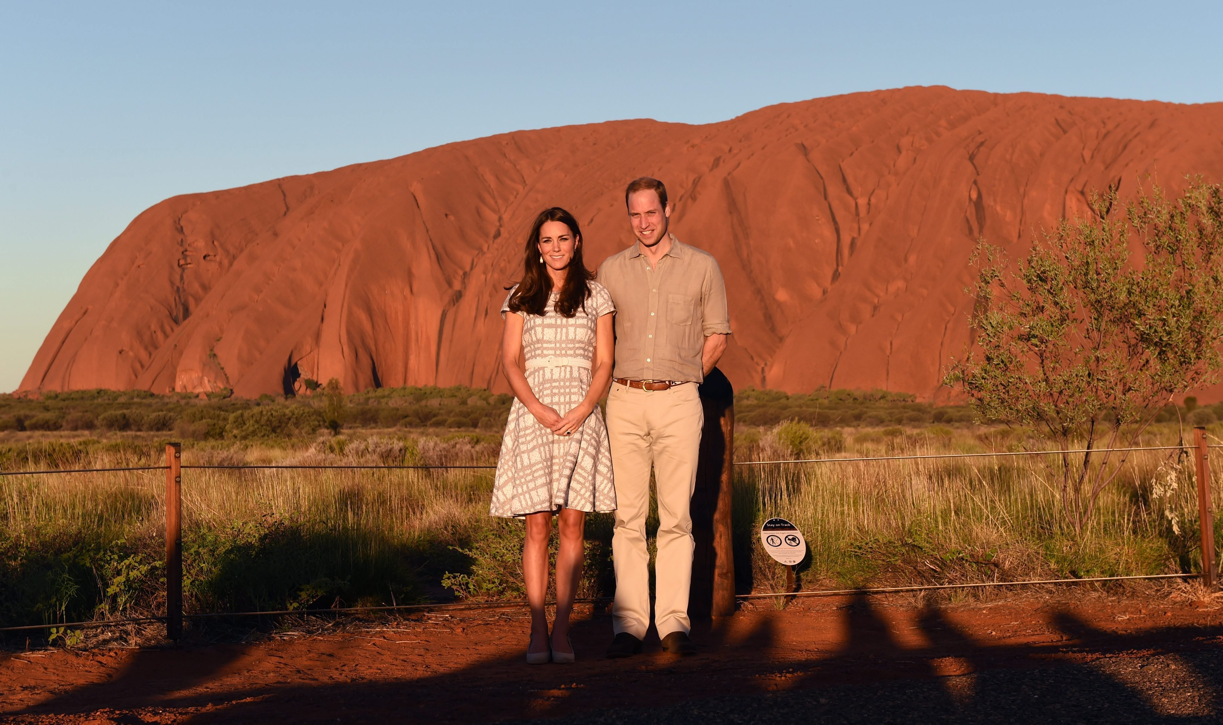 <strong>Kate and Hobbs</strong>From right: Prince William, Duke of Cambridge and his wife Catherine, Duchess of Cambridge stand in front of Uluru in the Northern Territory, Australia, April 22, 2014.