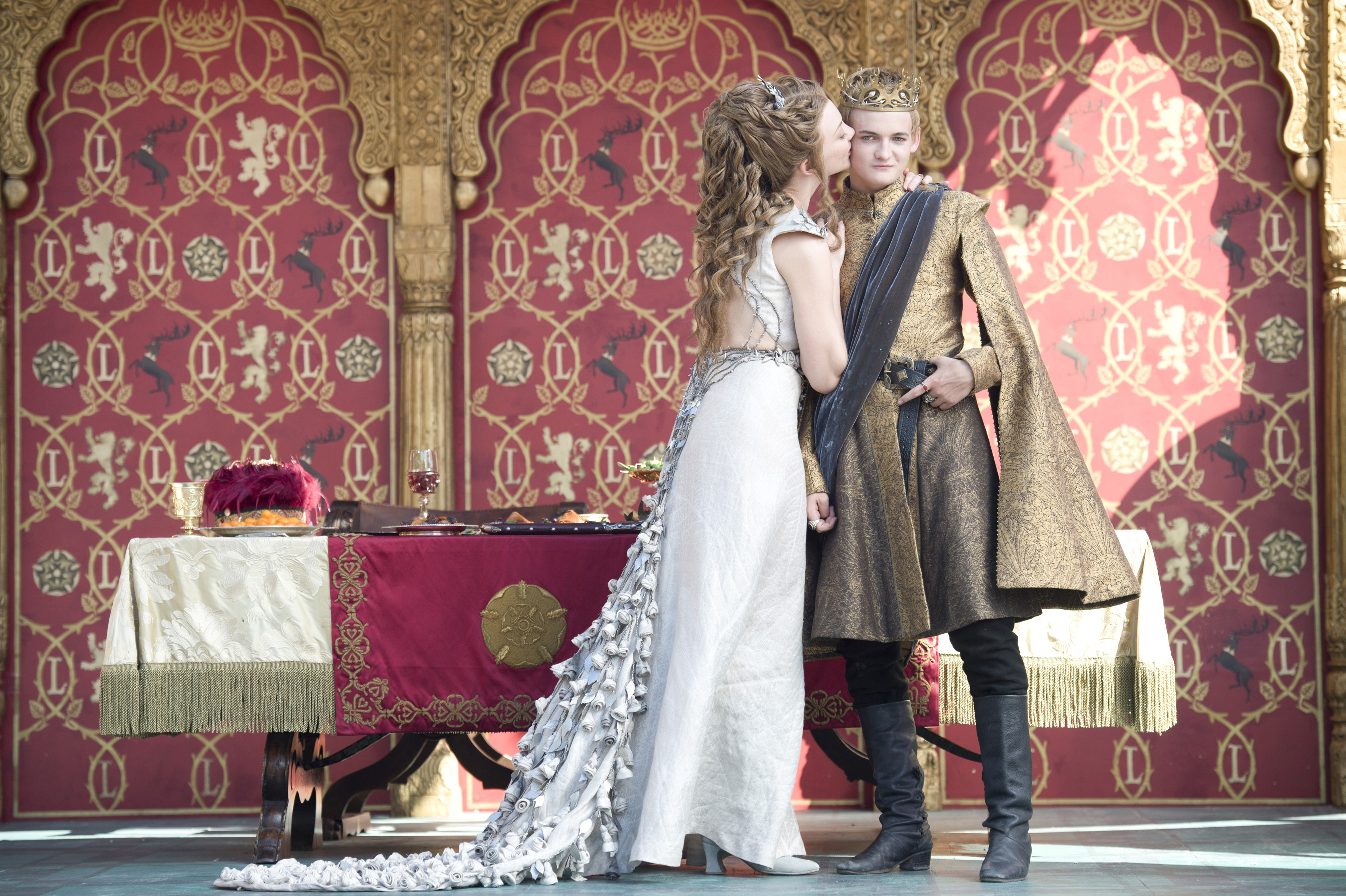 Game of Thrones Close-Up: Joffrey's Wedding Scene - Time Game of Thrones Close-Up: Ain't No Party Like a Westeros Party - 웹