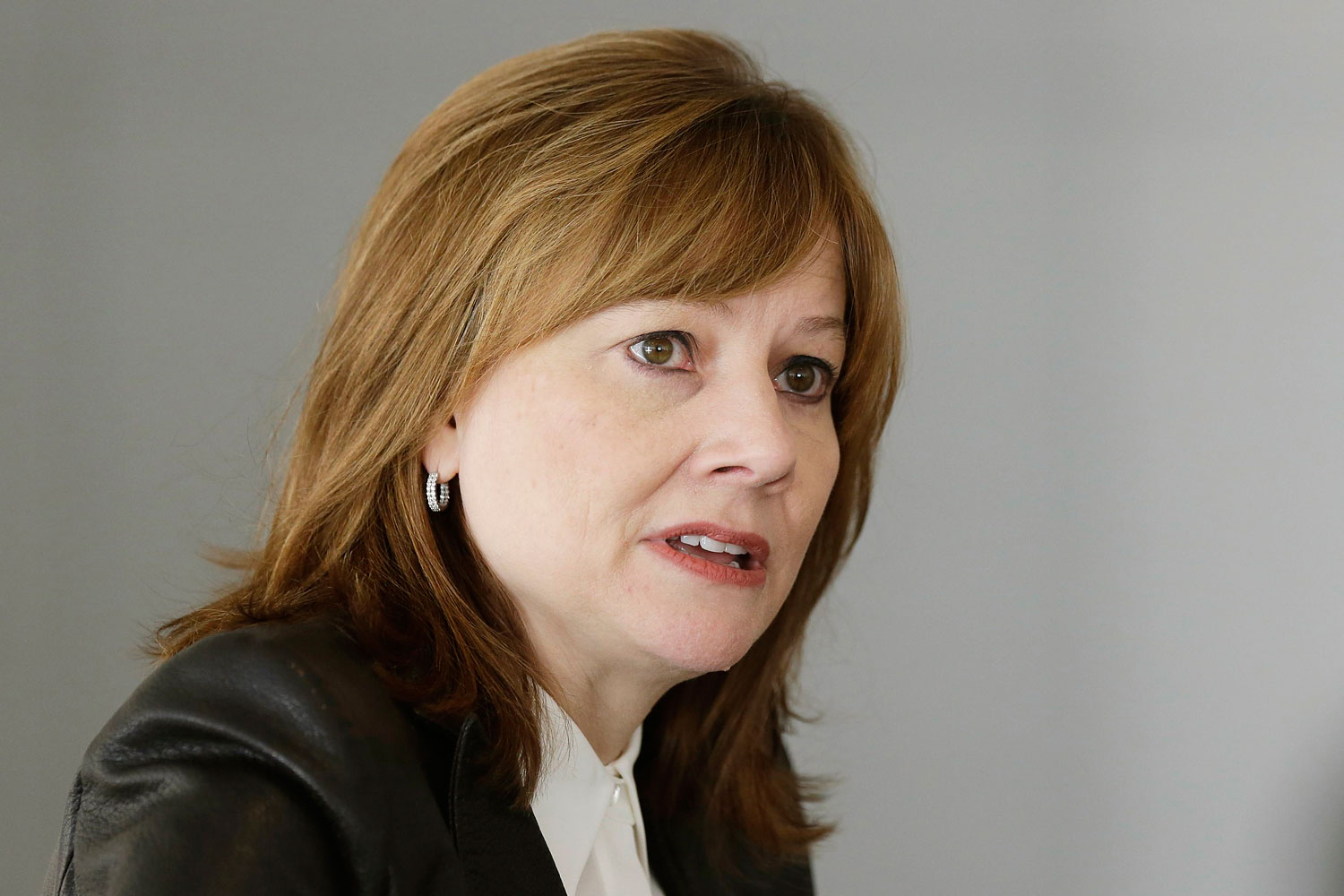 General Motors Co's new chief executive Mary Barra addresses the media during a roundtable meeting with journalists in Detroit, Michigan in this file photo from January 23, 2014.