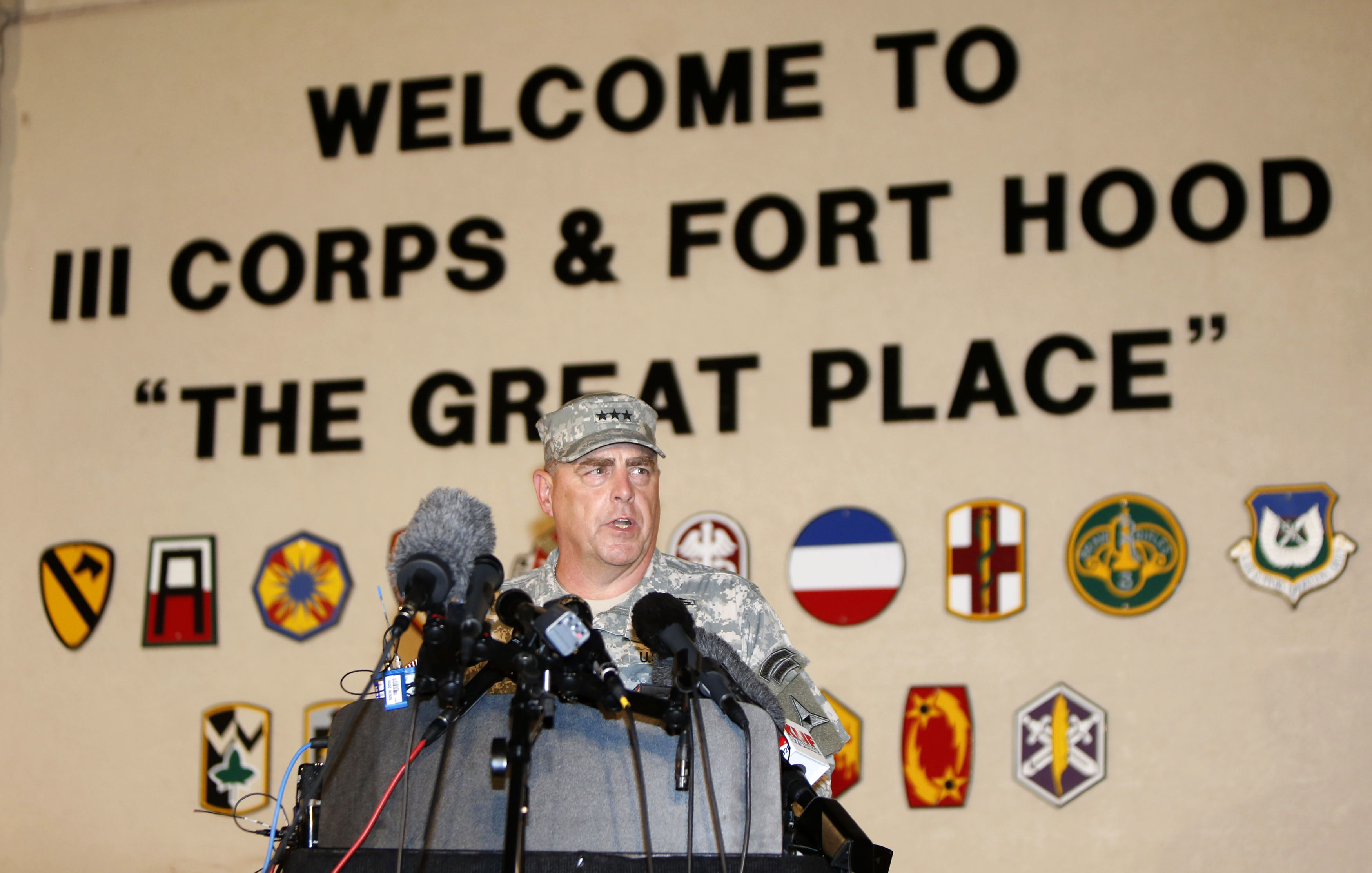 Lt. Gen. Mark Milley, Fort Hood's senior officer, speaks to reporters about the shooting.