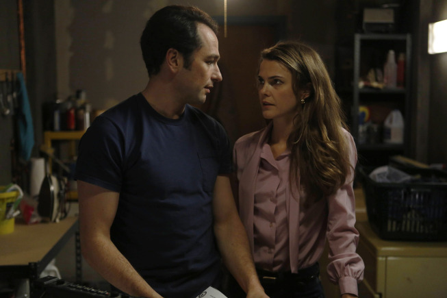 (L-R) Matthew Rhys as Philip Jennings, Keri Russell as Elizabeth Jennings