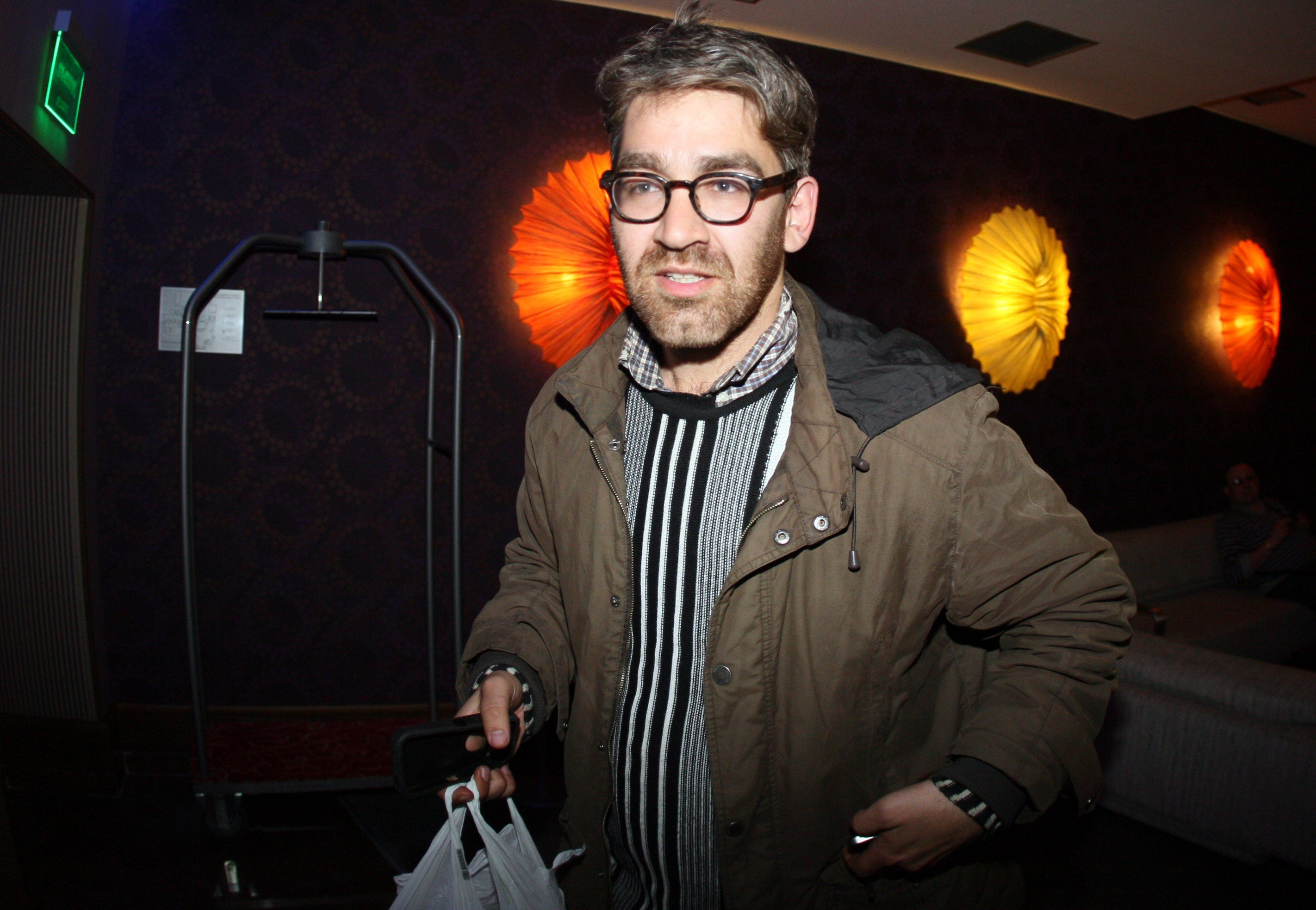 U.S. journalist Simon Ostrovsky, who was abducted and held by pro-Kremlin rebels in east Ukraine this week, arrives in a hotel in the eastern Ukrainian city of Donetsk after being freed, on April 24, 2014.