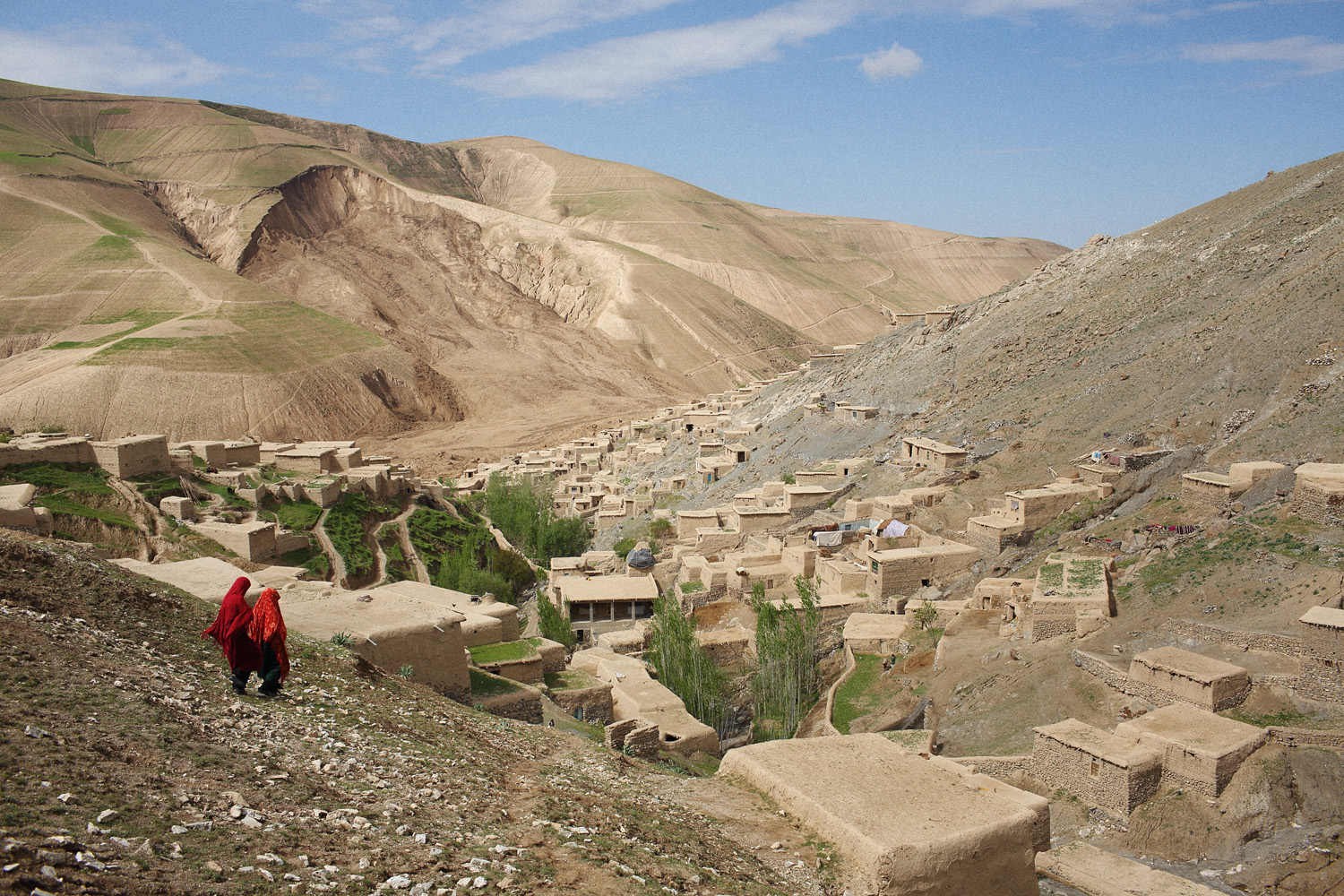 May 5, 2014. 2 days after 2 landslides buried an estimated 2,000 residents of Abi Barak in the Argo district of the mountainous northeastern state of Badakhshan under hundreds of feet of mud.