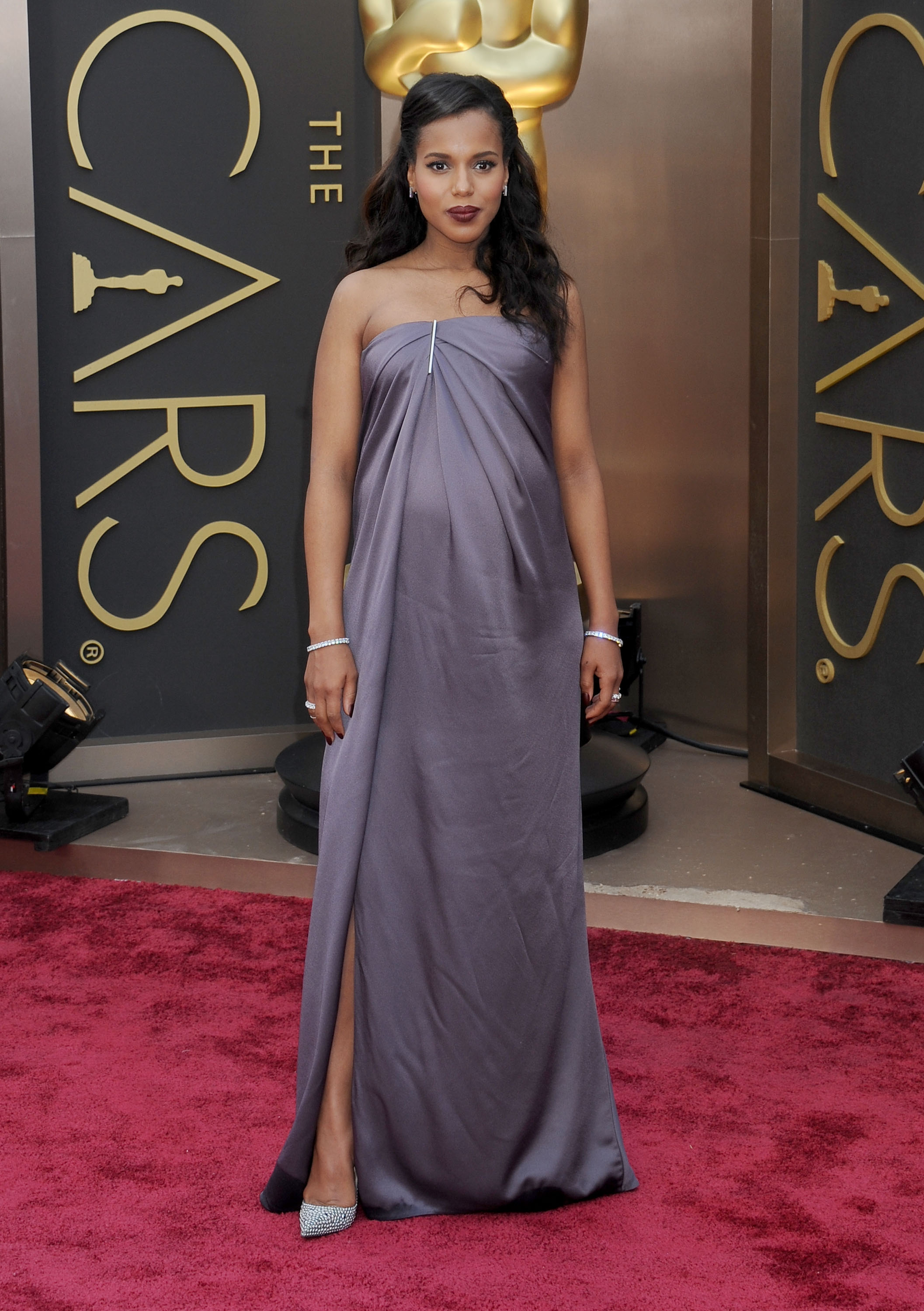 Kerry Washington arrives at the 86th Annual Academy Awards at Hollywood & Highland Center on March 2, 2014 in Hollywood, California.