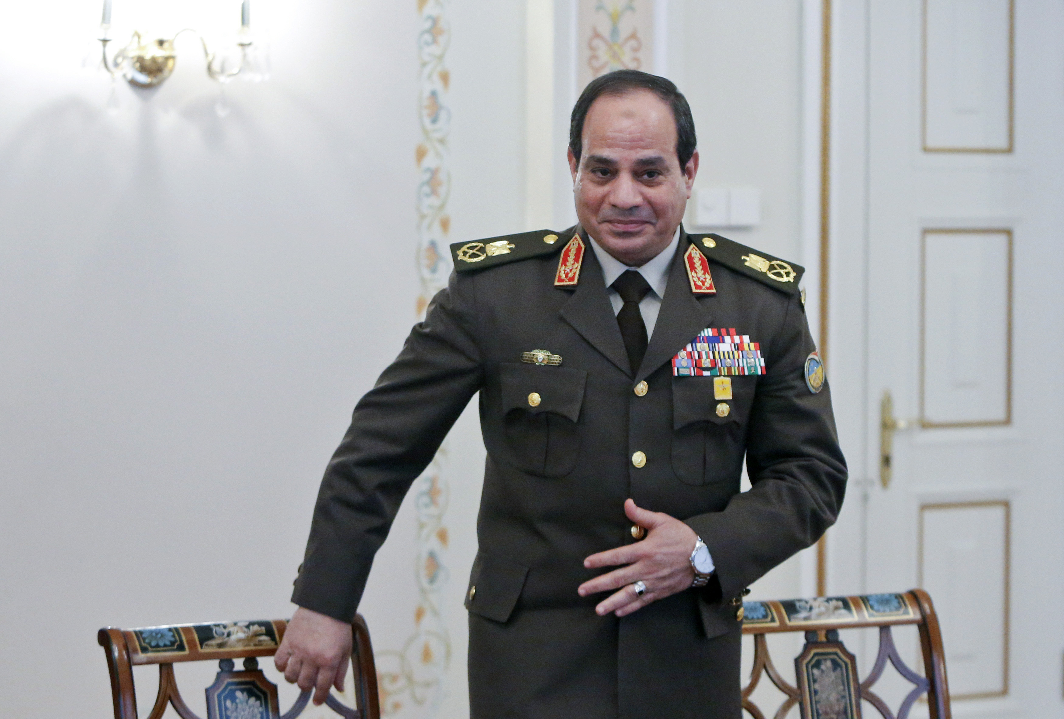 Egyptian Army chief Field Marshal Abdel Fattah al-Sisi arrives for a meeting with Russian President Vladimir Putin at the Novo-Ogaryovo state residence outside Moscow, February 13, 2014.