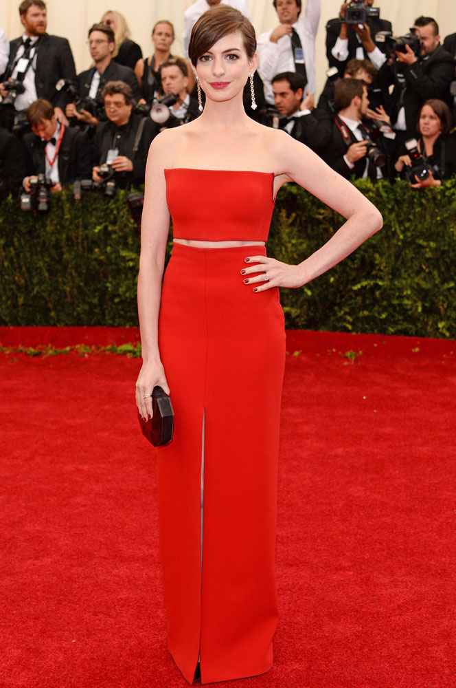 Anne Hathaway attends The Metropolitan Museum of Art's Costume Institute benefit gala celebrating  Charles James: Beyond Fashion  on May 5, 2014, in New York City.