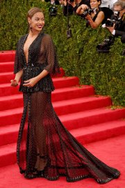 """Beyoncé attends The Metropolitan Museum of Art's Costume Institute benefit gala celebrating """"Charles James: Beyond Fashion"""" on May 5, 2014, in New York City."""