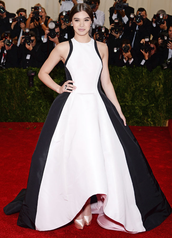 Hailee Steinfeld attends The Metropolitan Museum of Art's Costume Institute benefit gala celebrating  Charles James: Beyond Fashion  on May 5, 2014, in New York City.