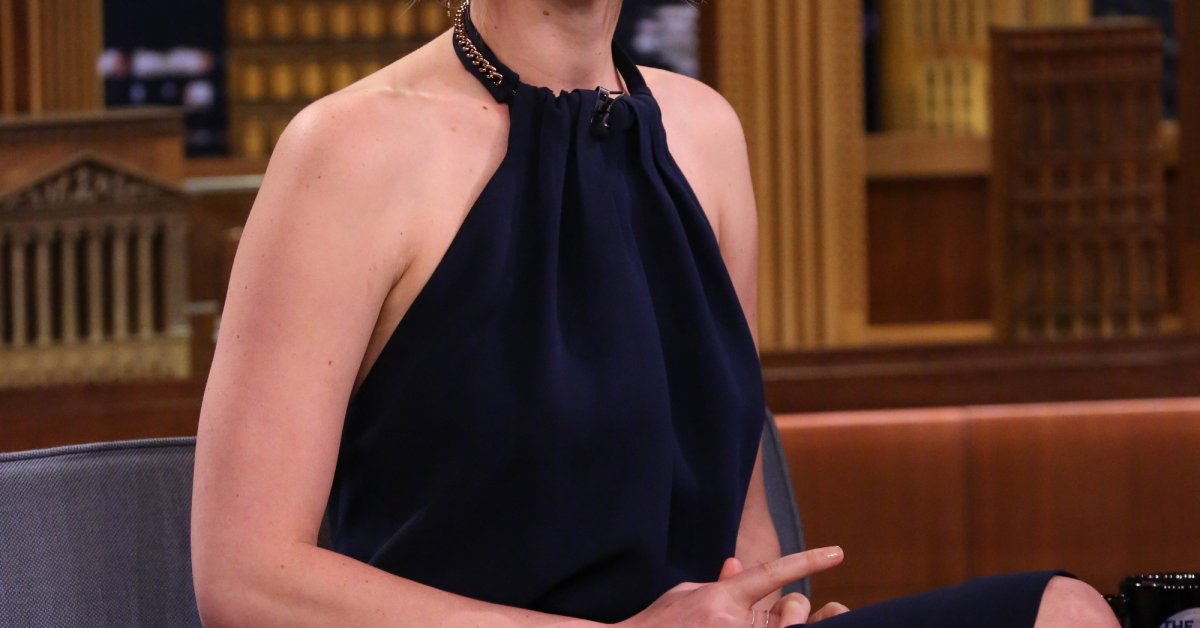 Jennifer Lawrence On The Time She Tried To Dance With J ...