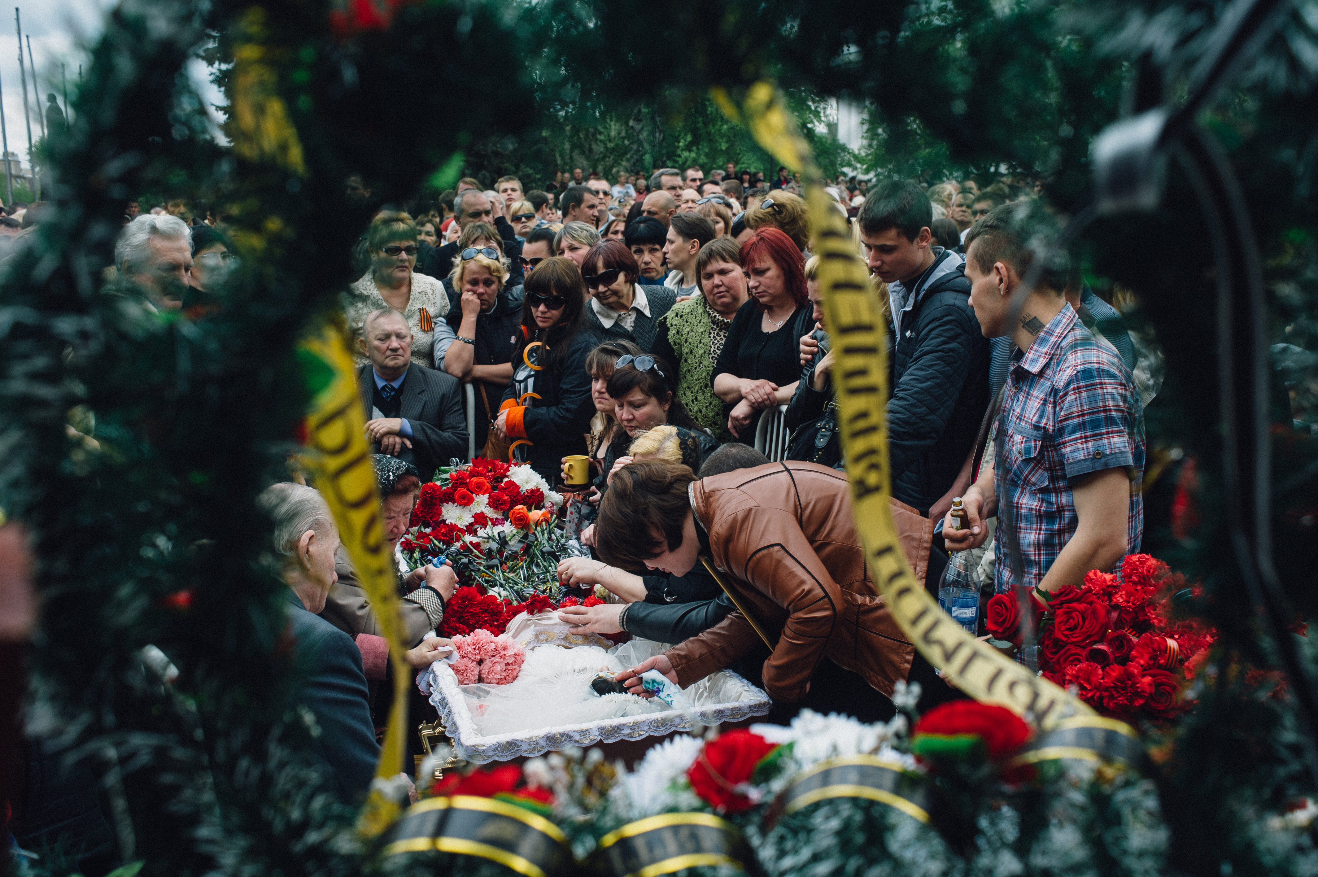 Parents and relatives mourn a pro-Russian medical worker, in Kramatorsk, Ukraine, on May 5, 2014