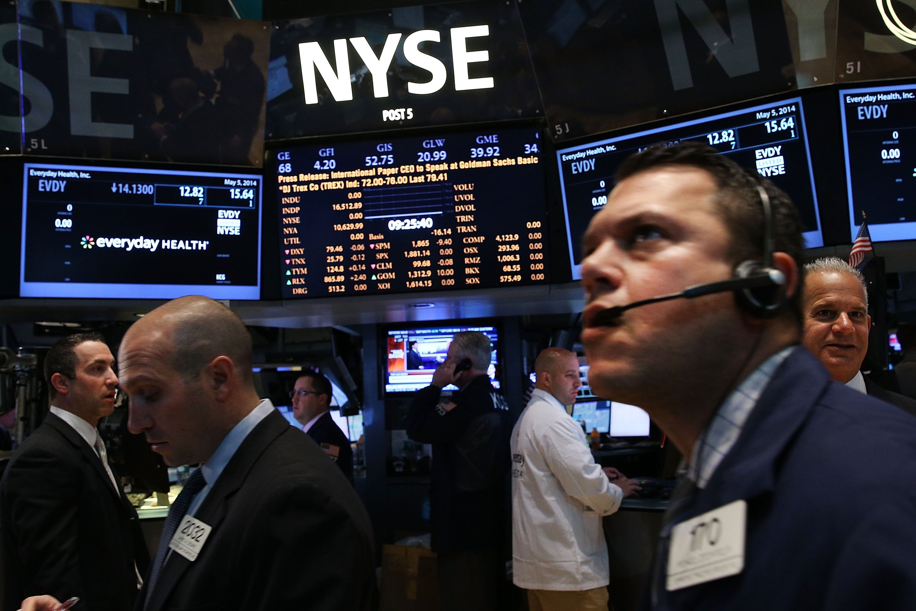 Traders work on the floor of the New York Stock Exchange on May 5, 2014 in New York City.