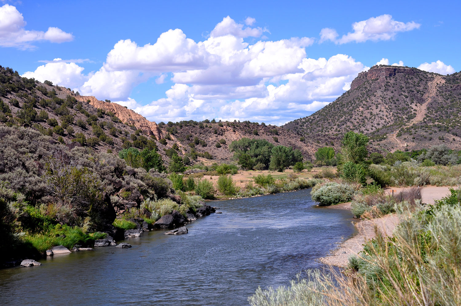 The Río Grande del Norte National Monument (New Mexico): Located northwest of Taos, the Río Grande del Norte contains stretches of the Río Grande Gorge and is known for its spectacular landscapes, recreational opportunities, and for serving as an important habitat for many birds and wildlife.