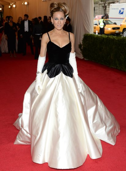 """Sarah Jessica Parker attends The Metropolitan Museum of Art's Costume Institute benefit gala celebrating """"Charles James: Beyond Fashion"""" on May 5, 2014, in New York City."""