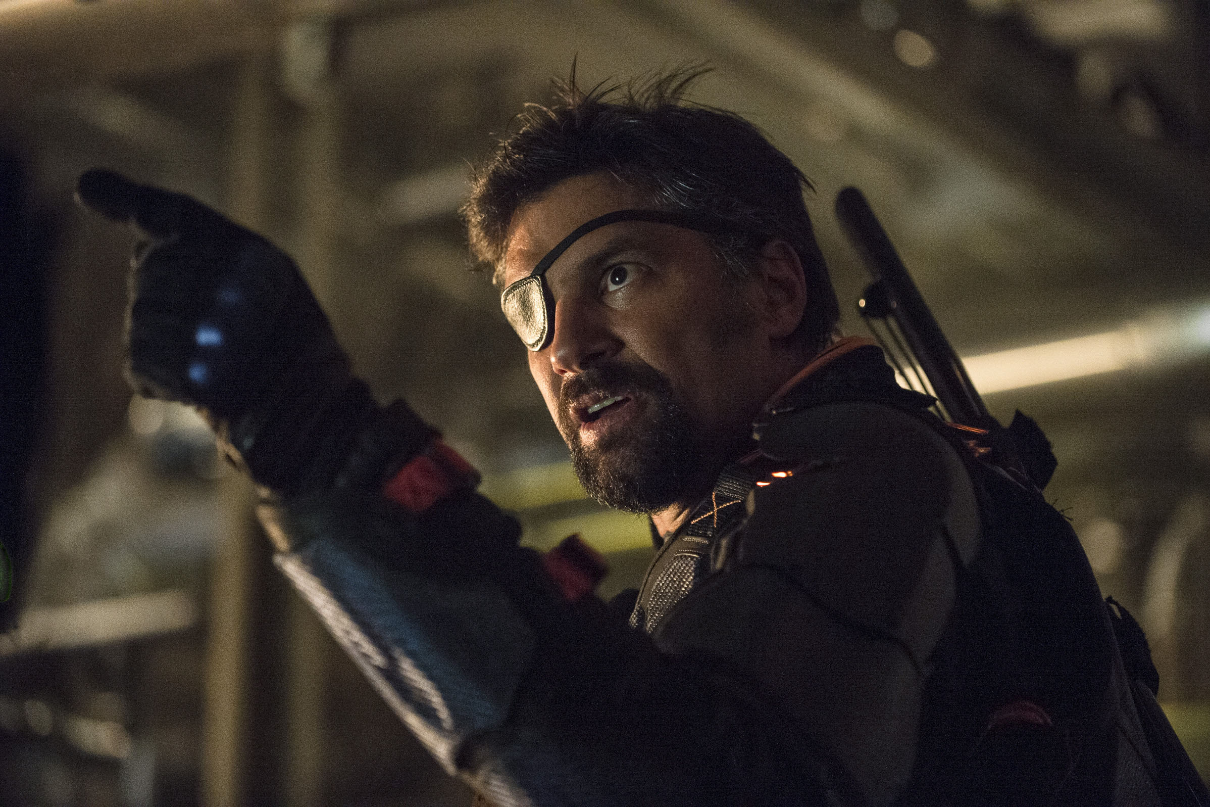Arrow --  Unthinkable  -- Image AR223b_ 0125b -- Pictured: Manu Bennett as Slade Wilson -- Photo: Cate Cameron/The CW -- © 2014 The CW Network, LLC. All Rights Reserved.