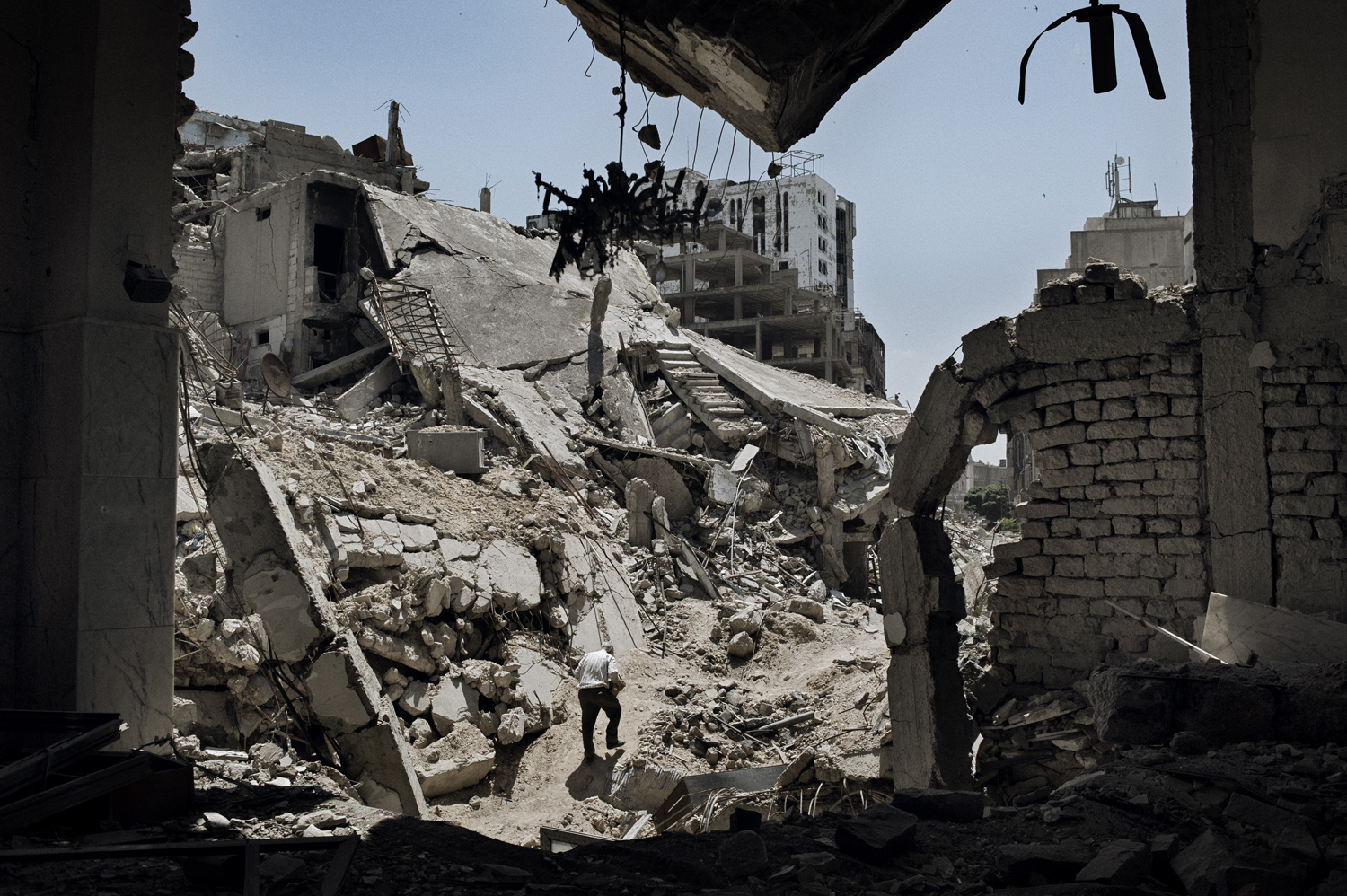 Relentless fighting, along with shells and barrel bombs, have ravaged Khaldiyeh, a middle-class neighborhood in the Old City area of Homs. May 13, 2014.