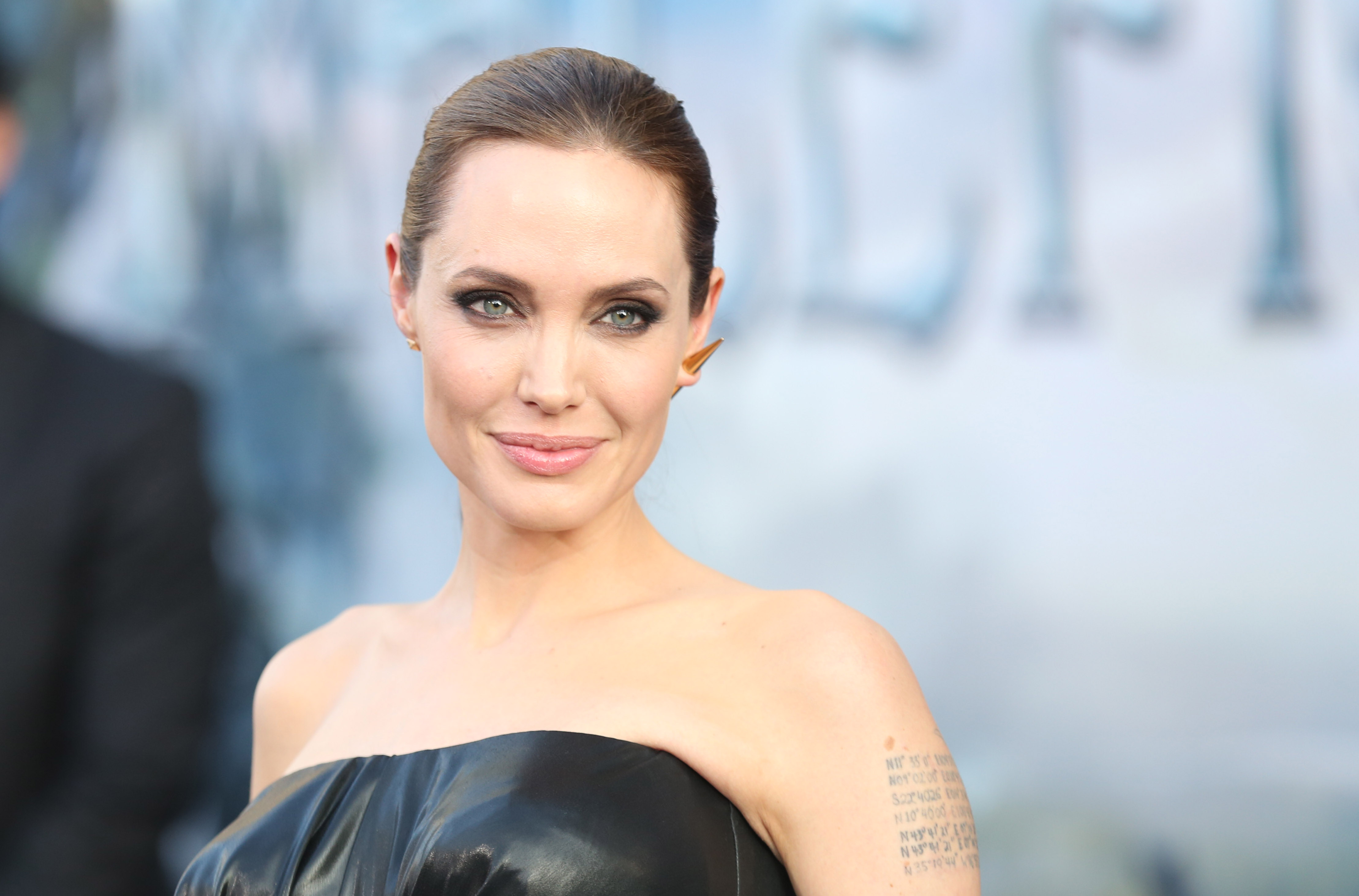 Angelina Jolie arrives at the world premiere of Maleficent at the El Capitan Theatre on May 28, 2014 in Los Angeles.