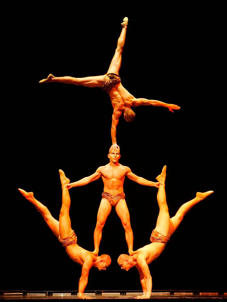 Artistes perform during Cirque du Soleil's  Delirium  show in Hamburg on Sept. 18, 2007.
