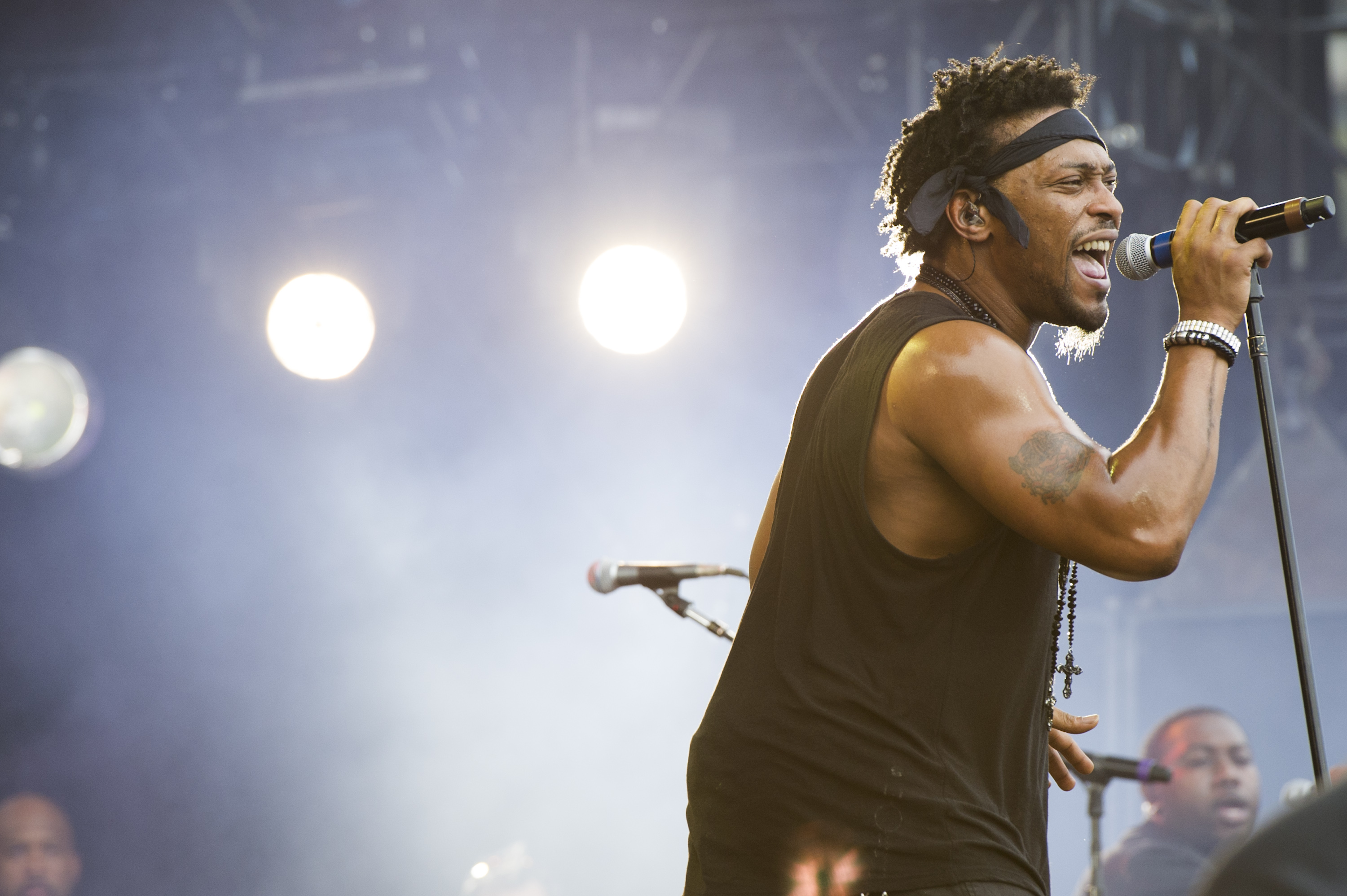 D'Angelo performing in 2012.