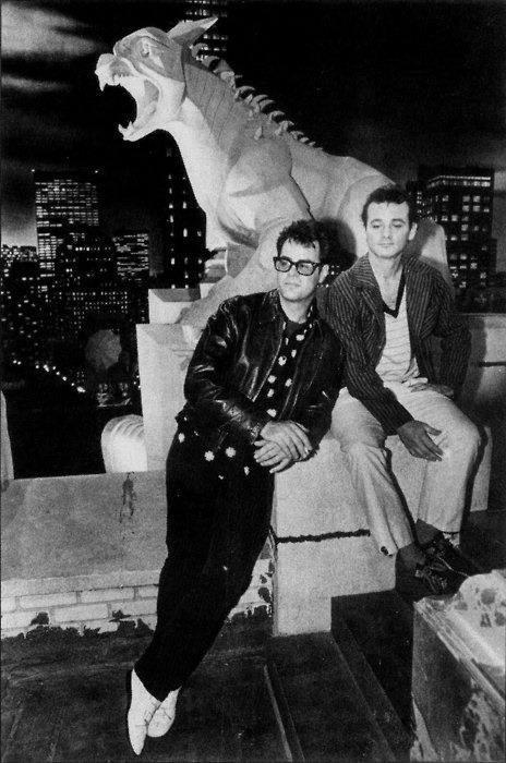 Dan Aykroyd and Bill Murray hang out on set.