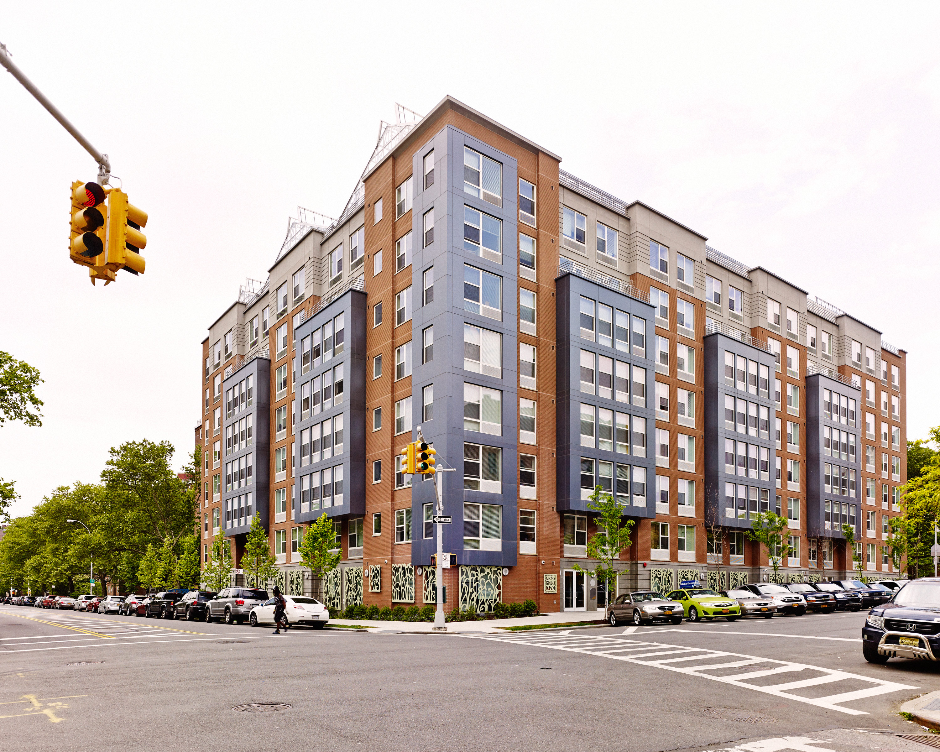 Arbor House, a $37.7 million, 120,000-sq.-ft. (11,150 sq m) low-income housing project, encourages exercise with features like visible stairwells and bright, inviting indoor-outdoor gyms.