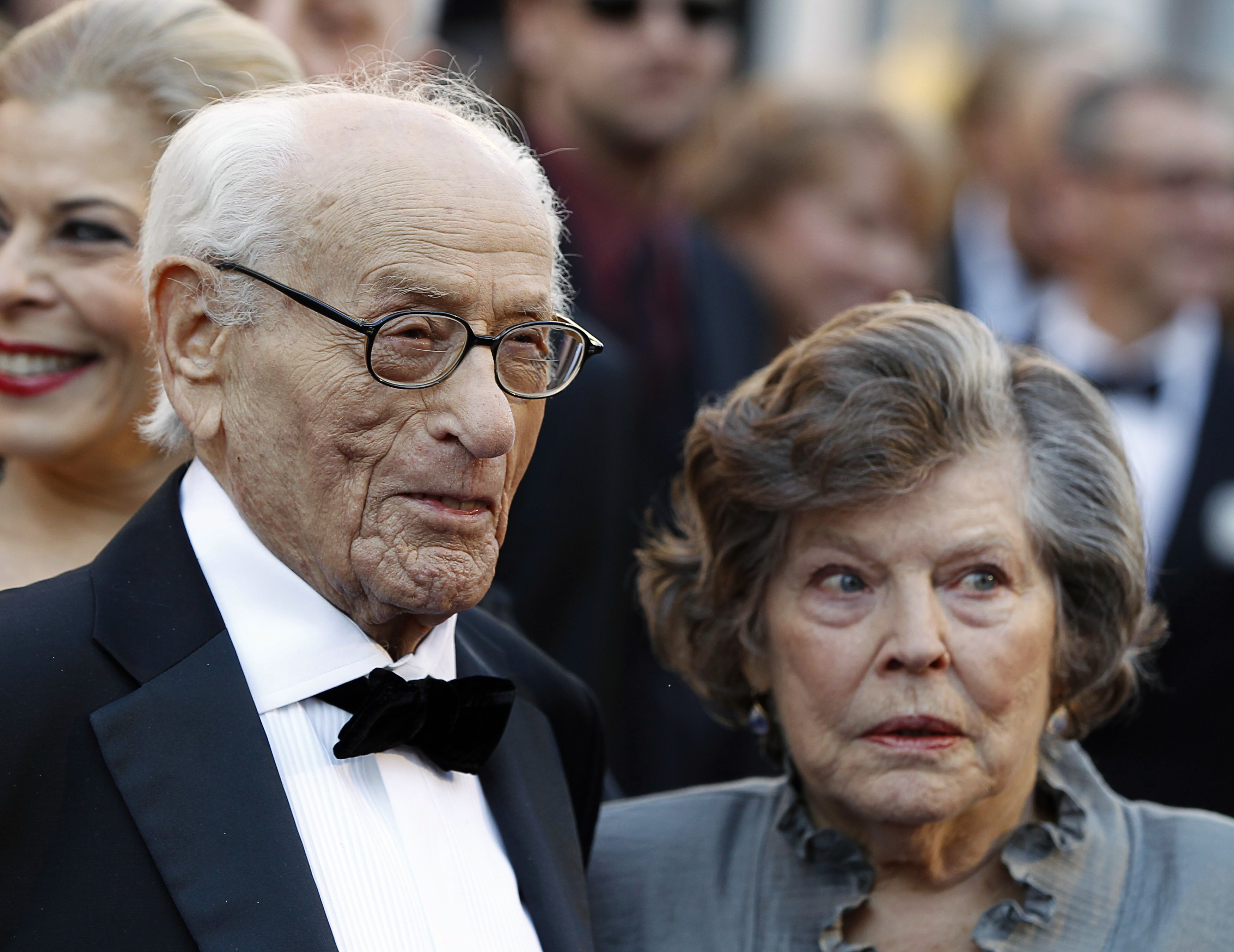 Honorary Oscar recipient actor Eli Wallach and wife Anne Jackson arrive at the 83rd Academy Awards in Los Angeles on Feb. 27, 2011