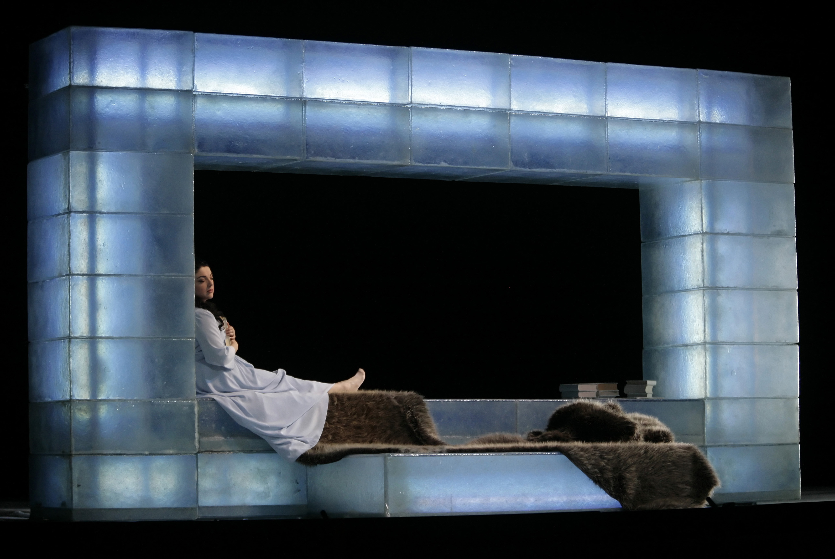 Singer Tamar Iveri performs on stage as Tatjana during a dress rehearsal of Pyotr Illyich Tchaikovsky's opera Eugene Onegin at Vienna's State Opera March 3, 2009.