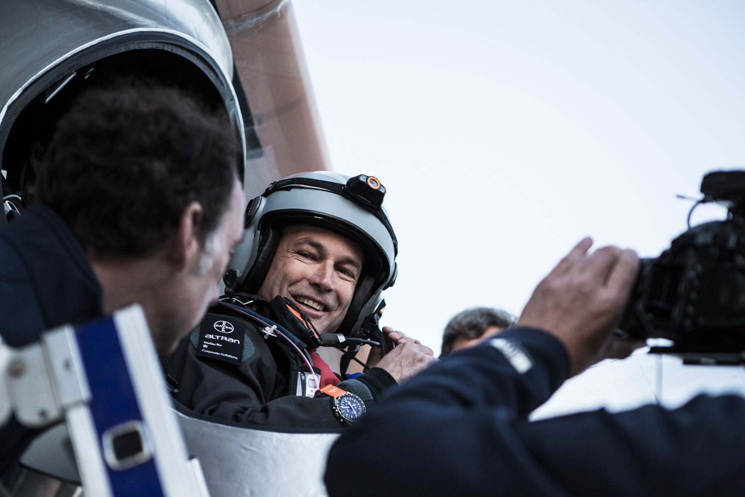 The pilot Bertrand Piccard, initiator and President of the Solar Impulse project, will be flying over the San Francisco Bay area and pass over the Golden Gate Bridge.