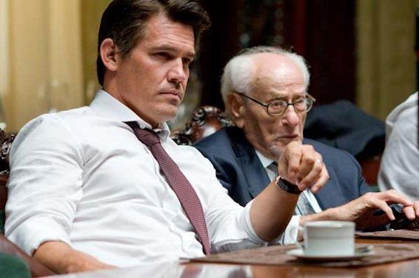 Eli Wallach (right) with Josh Brolin in  Wall Street: Money Never Sleeps.