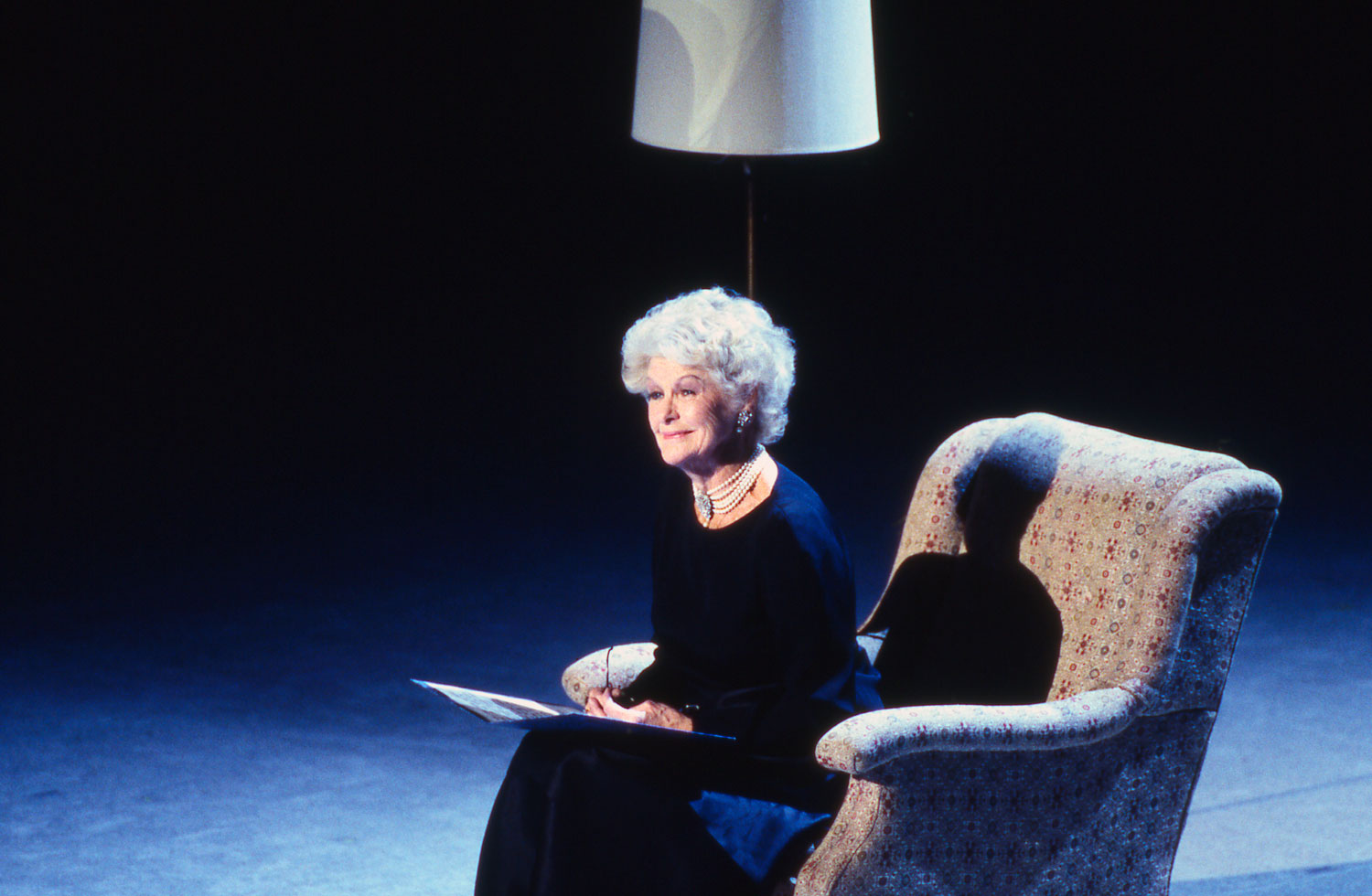Elaine Stritch performs at the Kennedy Center Honors on October 29, 1994.