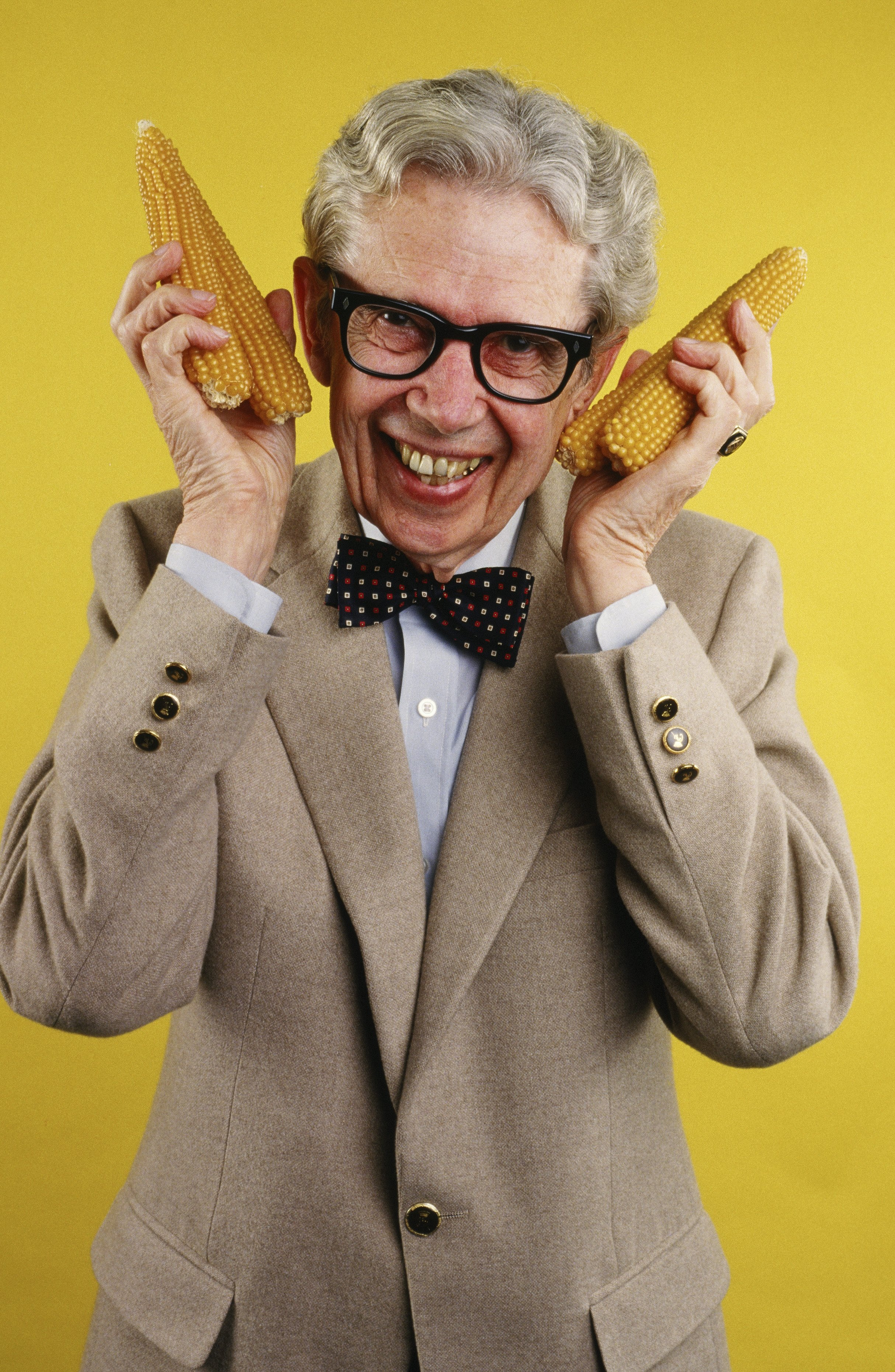 Popcorn King Orville Redenbacher playfully poses during a 1986 Los Angeles, California portrait session.