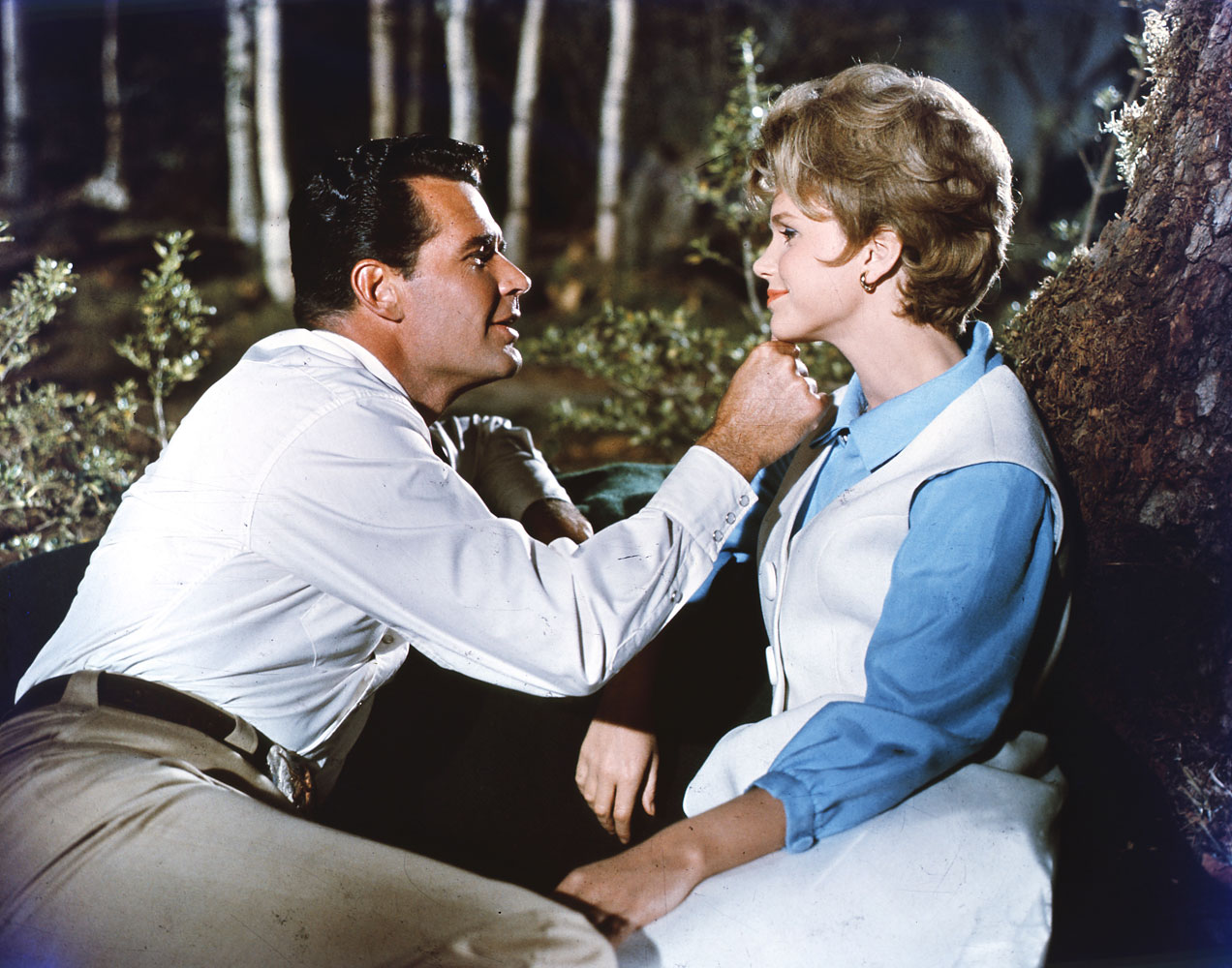 Garner as Henry Tyroon and Lee Remick as Molly Thatcher in 'The Wheeler Dealers', 1963.
