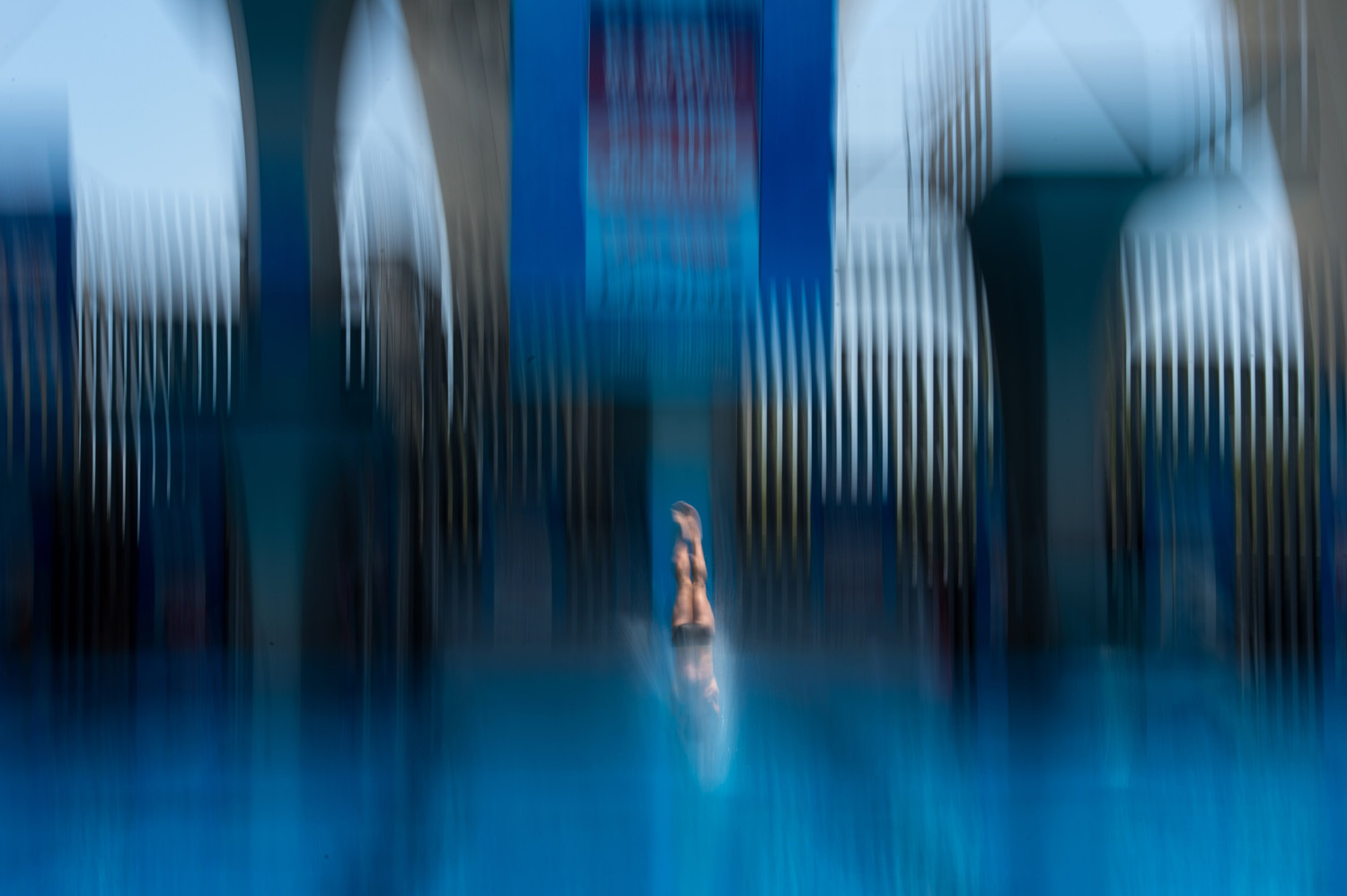 David Dinsmore of the U.S. competes during the men's 10 metre semi-final platform event at the 19th FINA Diving World Cup in Shanghai on July 20, 2014.