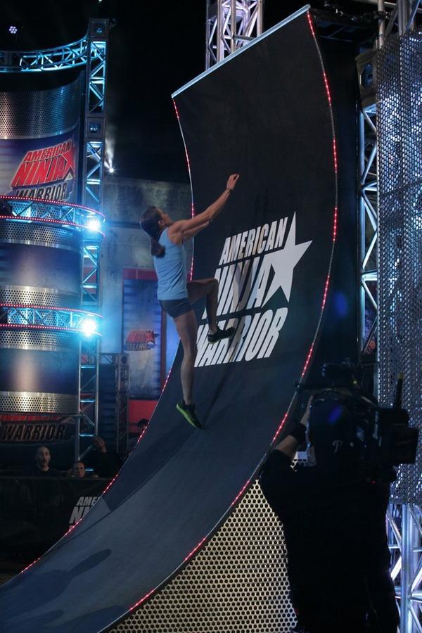 Kacy Catanzaro completes the wall challenge on American Ninja Warrior's July 14 episode.