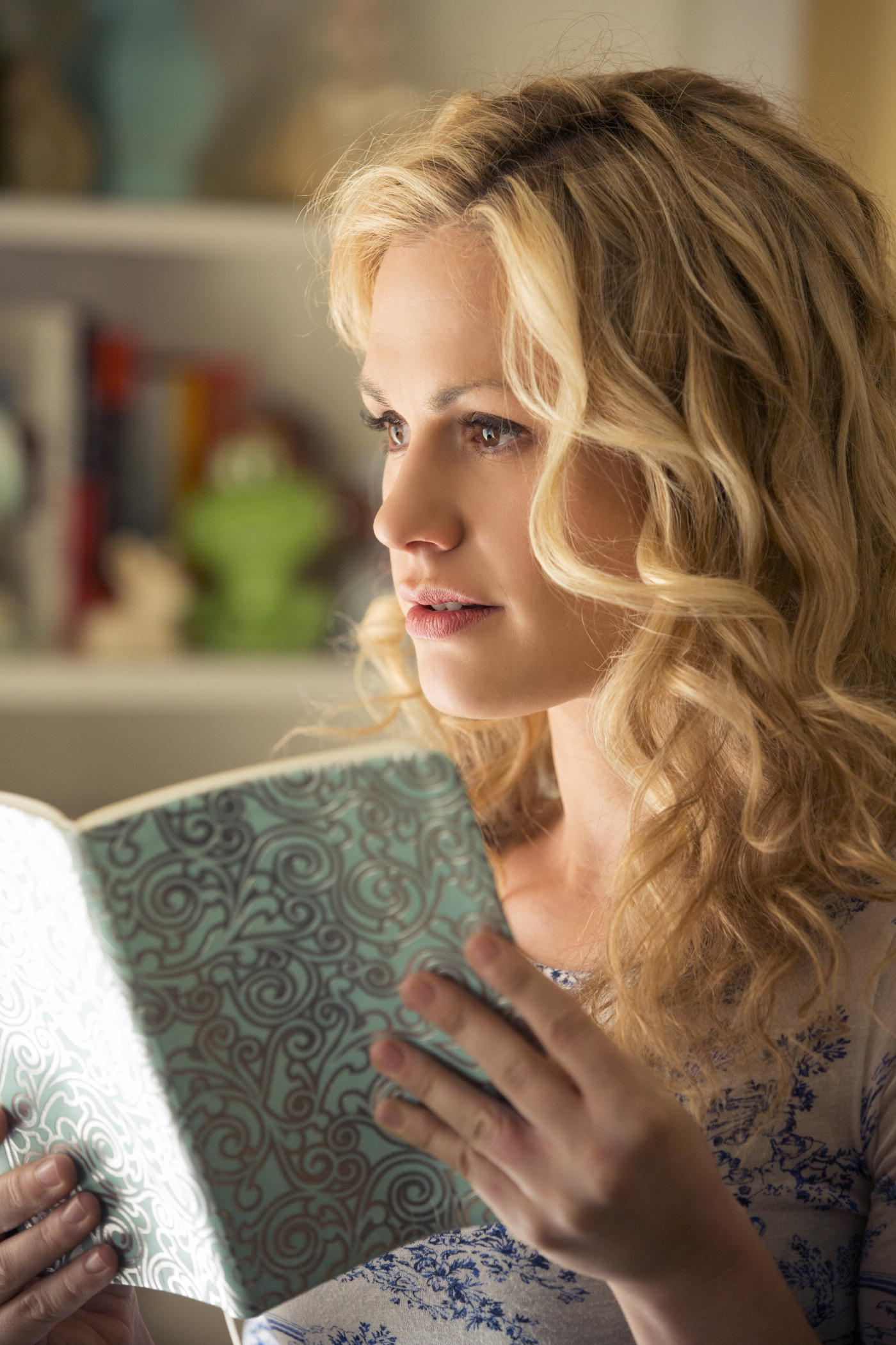 Actress Anna Paquin plays Sookie in  True Blood.