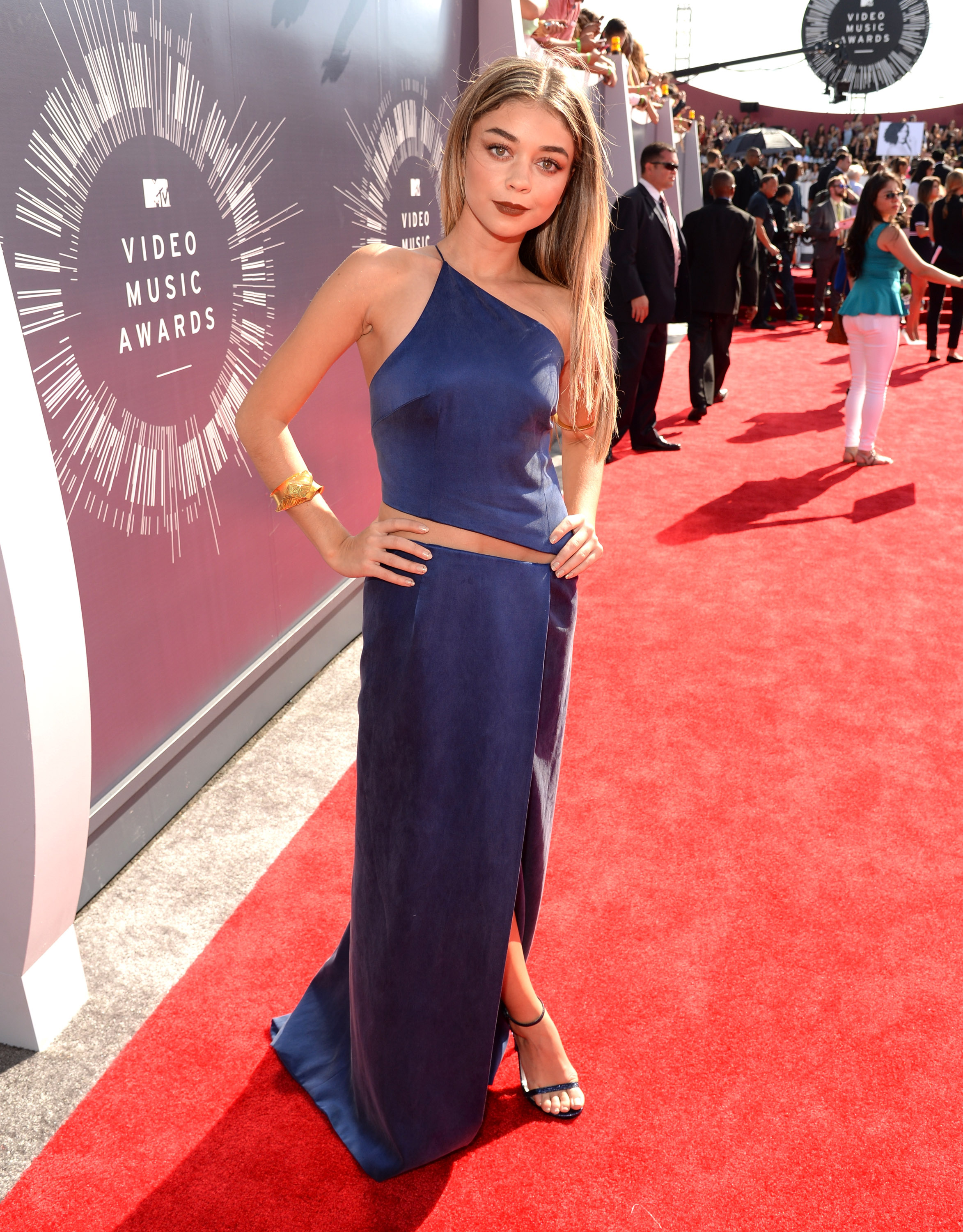 Sarah Hyland attends the 2014 MTV Video Music Awards at The Forum on August 24, 2014 in Inglewood, California.