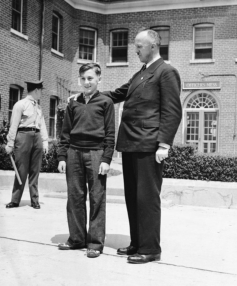 Werner Franz, with fellow survivor Heinrich Kubis, a steward, in Lakehurst, N.J., on May 7, 1937