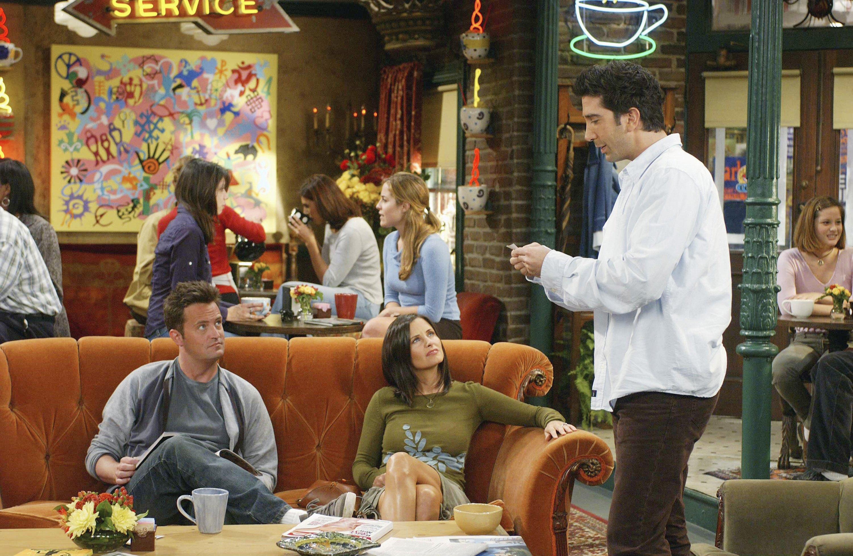 Pictured: (l-r) Matthew Perry as Chandler Bing, Courteney Cox as Monica Geller-Bing, David Schwimmer as Dr. Ross Geller in Friends.