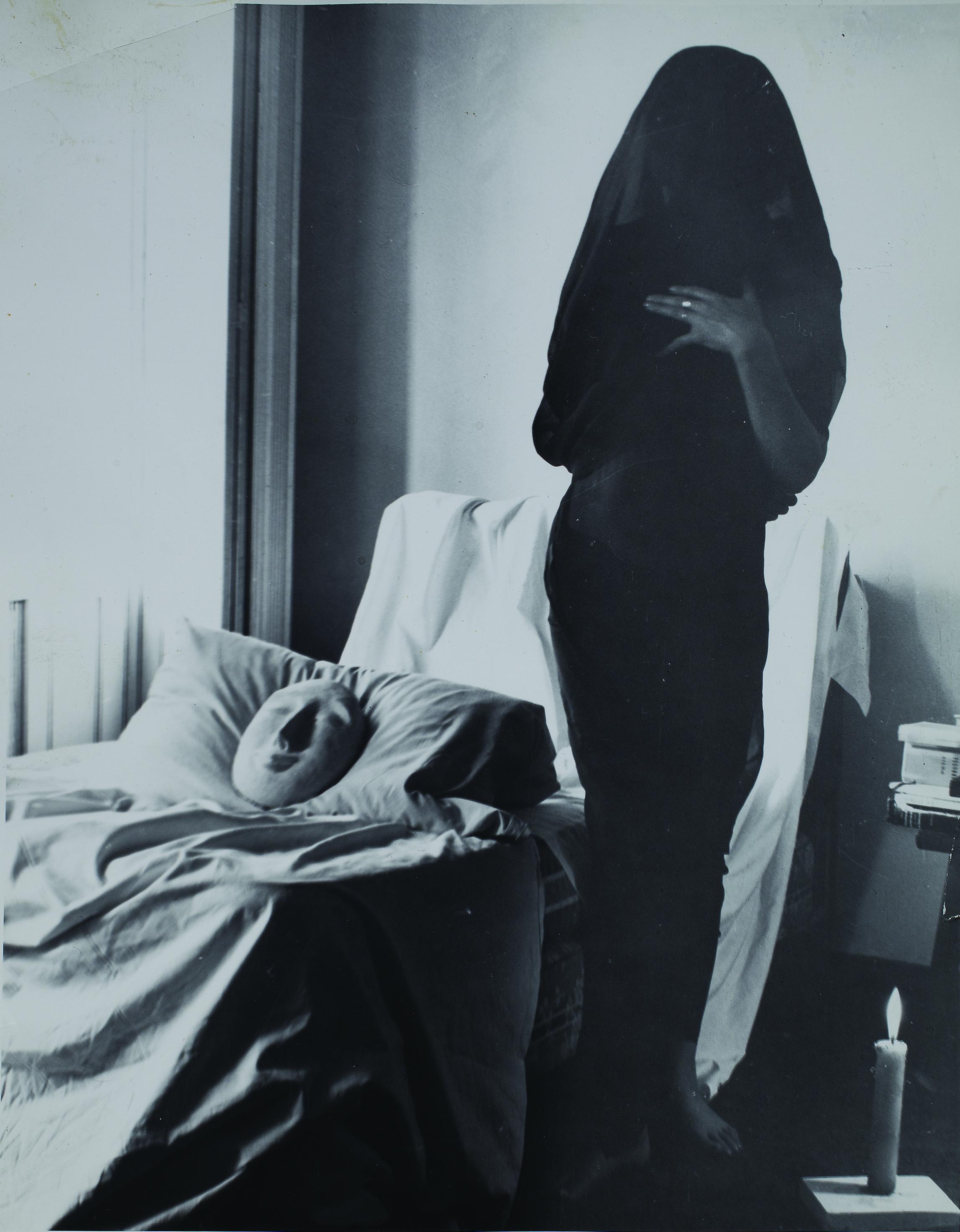 Untitled, série Oda a la necrofília [Ode to Necrophilia], Mexico, 1962