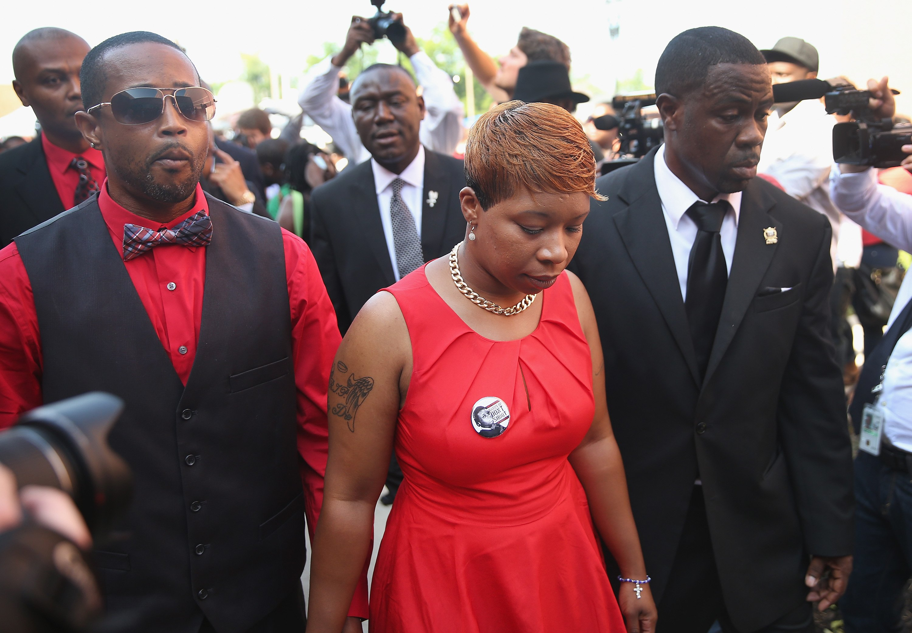 Lesley McSpadden (C) arrives for funeral of her son Michael Brown at the Friendly Temple Missionary Baptist Church in St. Louis on Aug. 25, 2014.