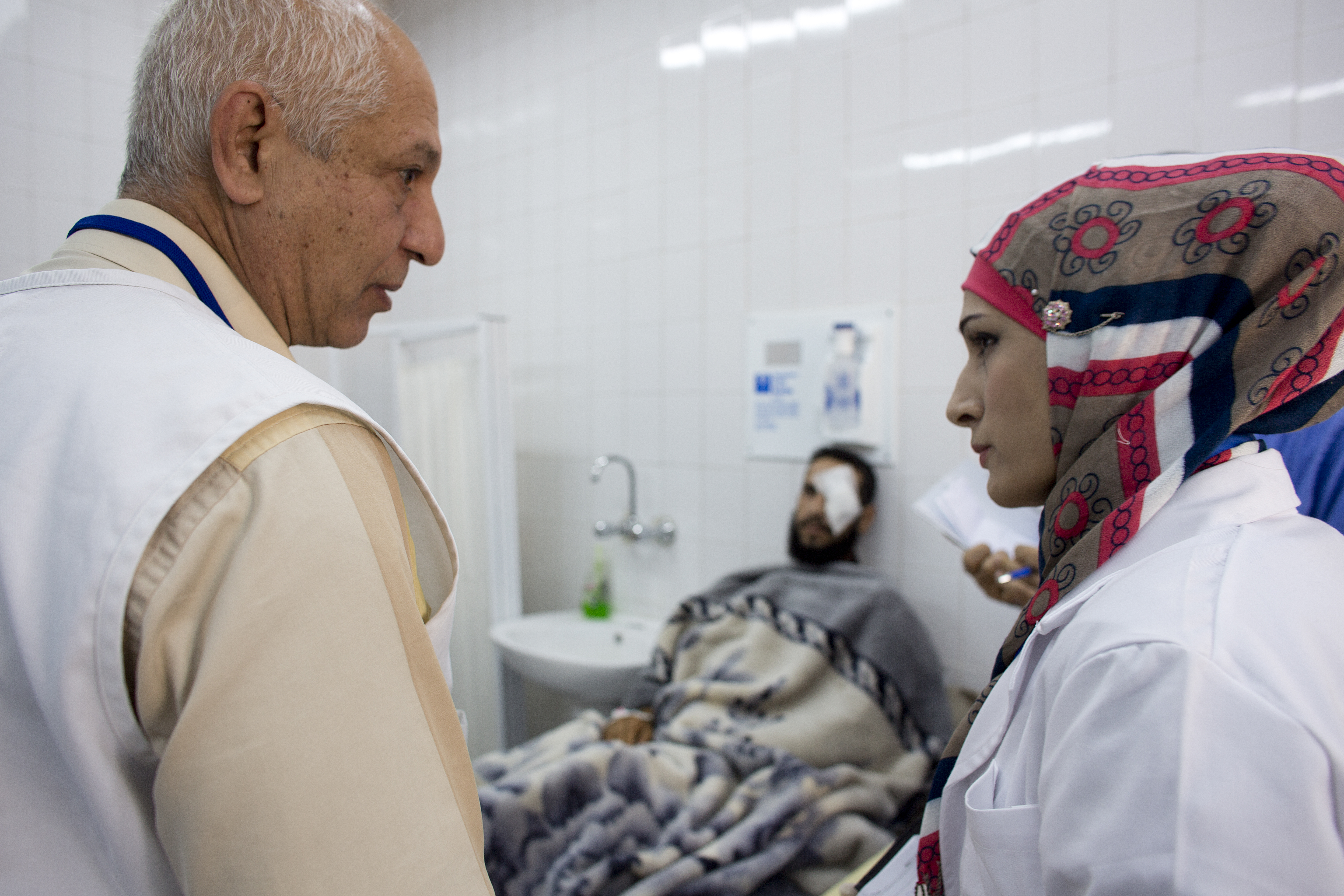 MSF staff working in the Ramtha hospital in Jordan, where war wounded patients from Syria are being treated. Doctors Without Borders medical staff is doing rounds in the wards.