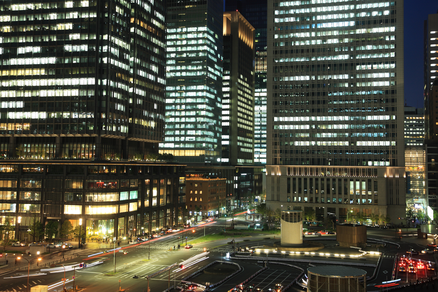 The Marunouchi district of Tokyo, Japan.